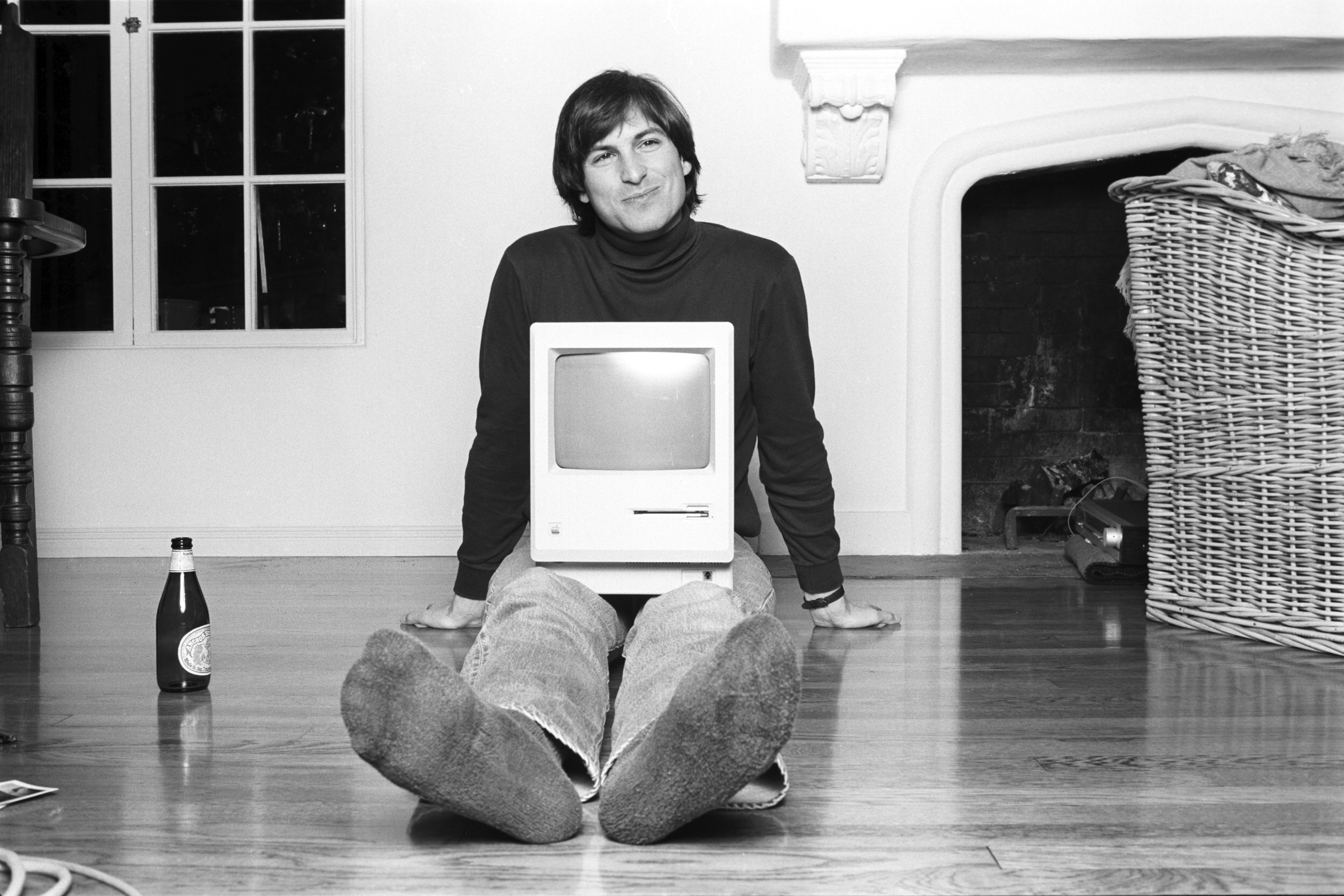 Awesome Apple Executives Mark Anniversary Of Steve Jobsu0027s Death With Personal  Tributes