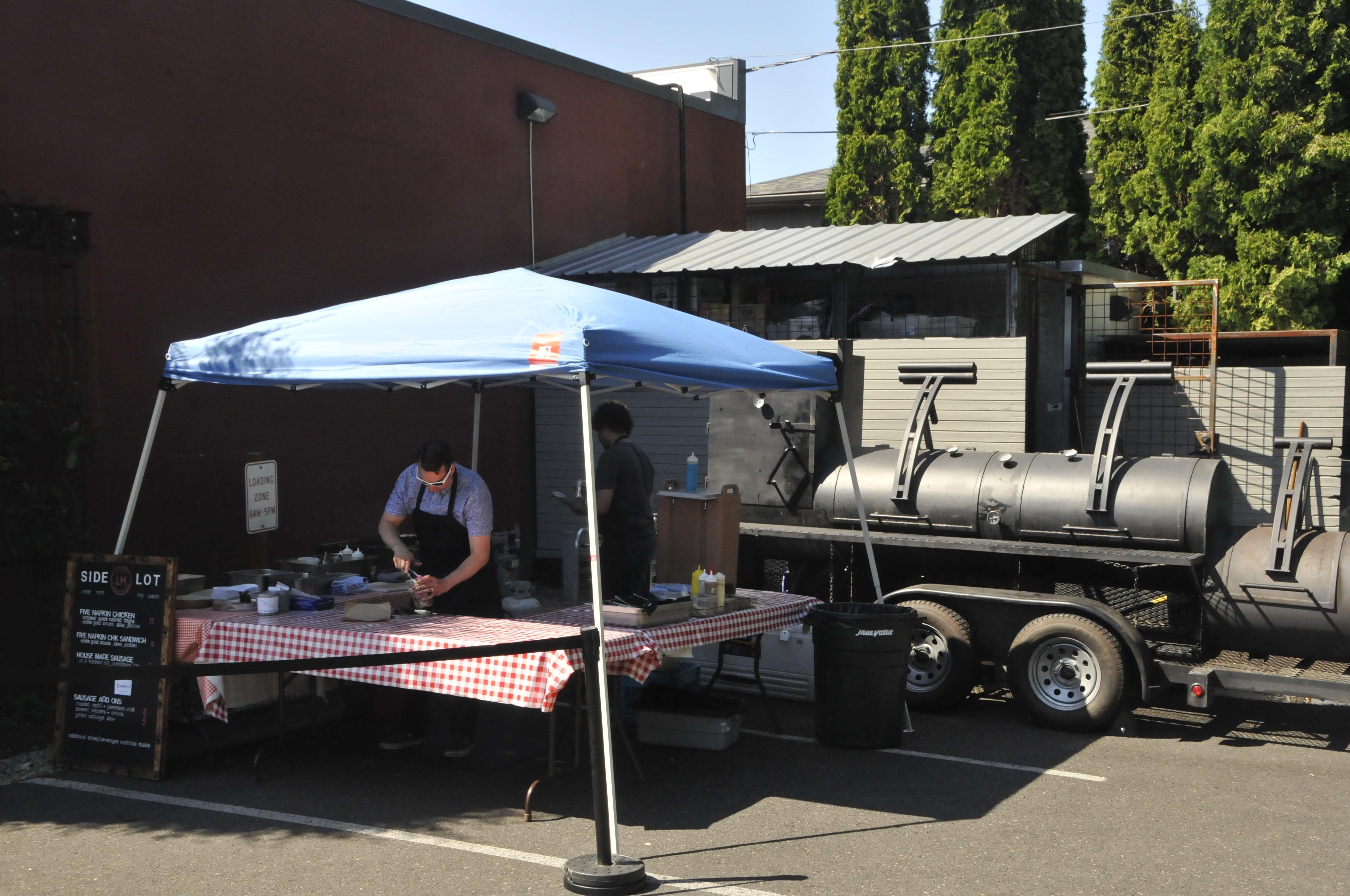 Laurelhurst Market's new outdoor setup