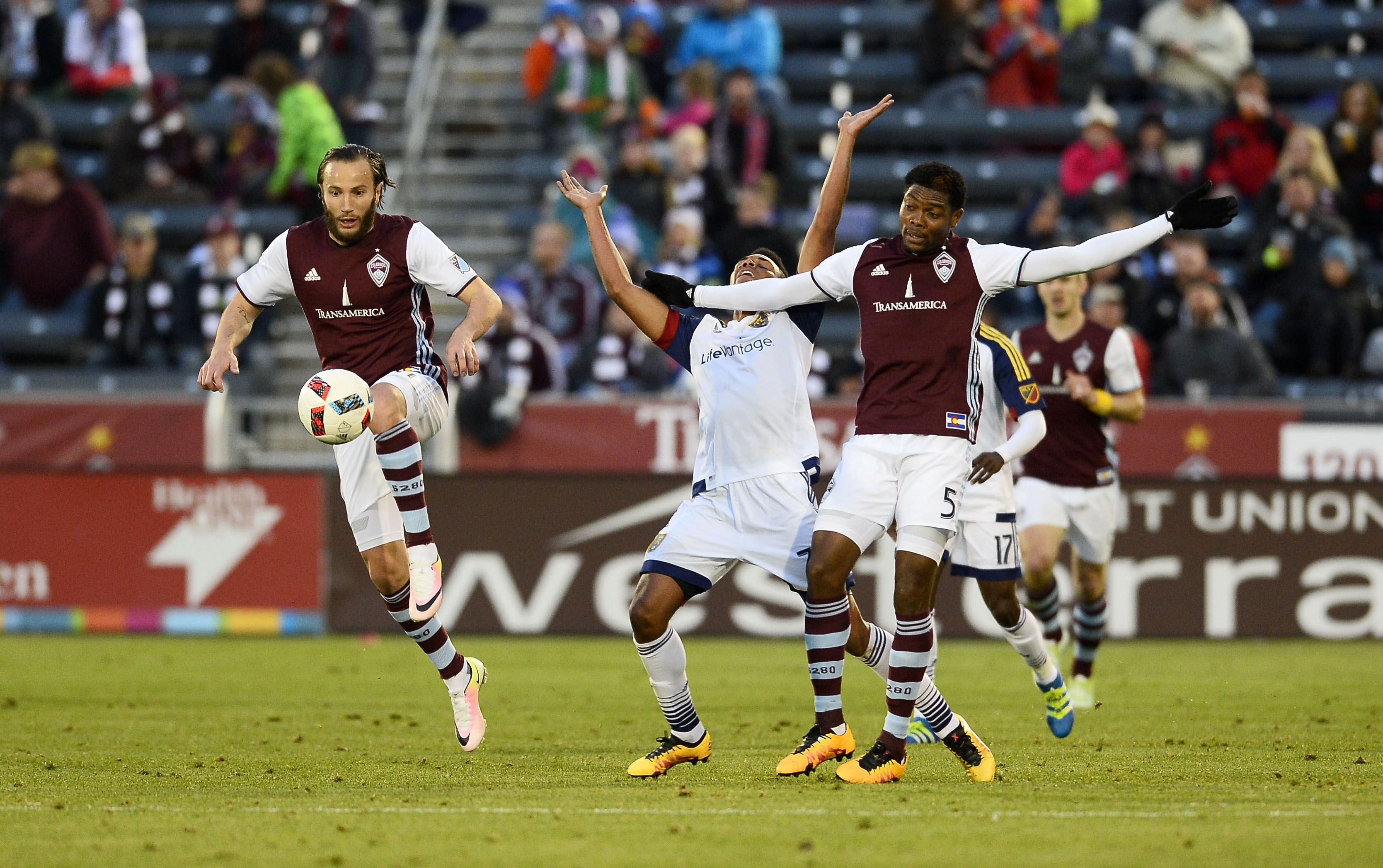 Williams wins the ball and gets it to Gashi.