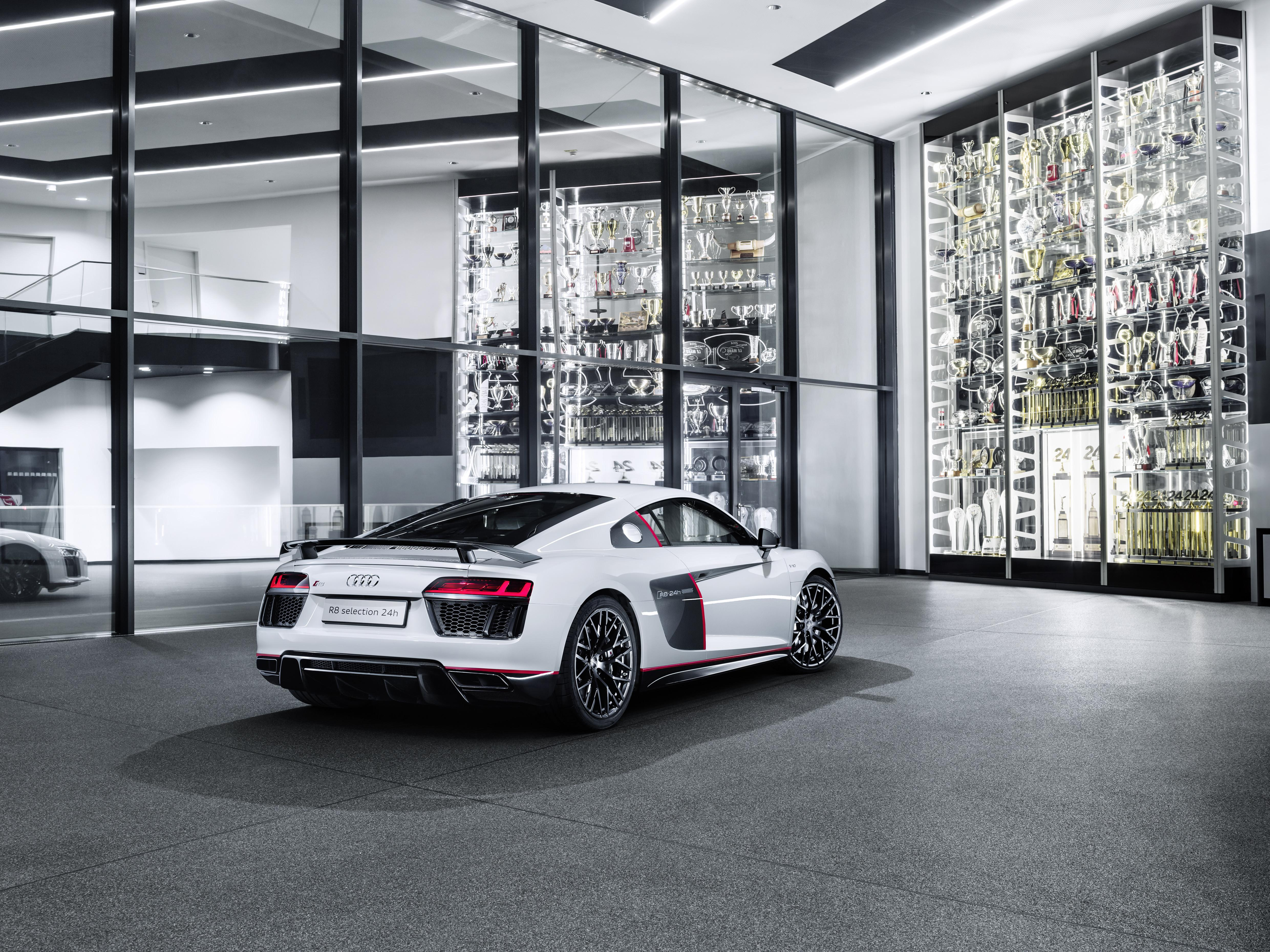 Audi R V Plus Selection H Is An Awkward Name For A Gorgeous - Audi r8 v10 plus