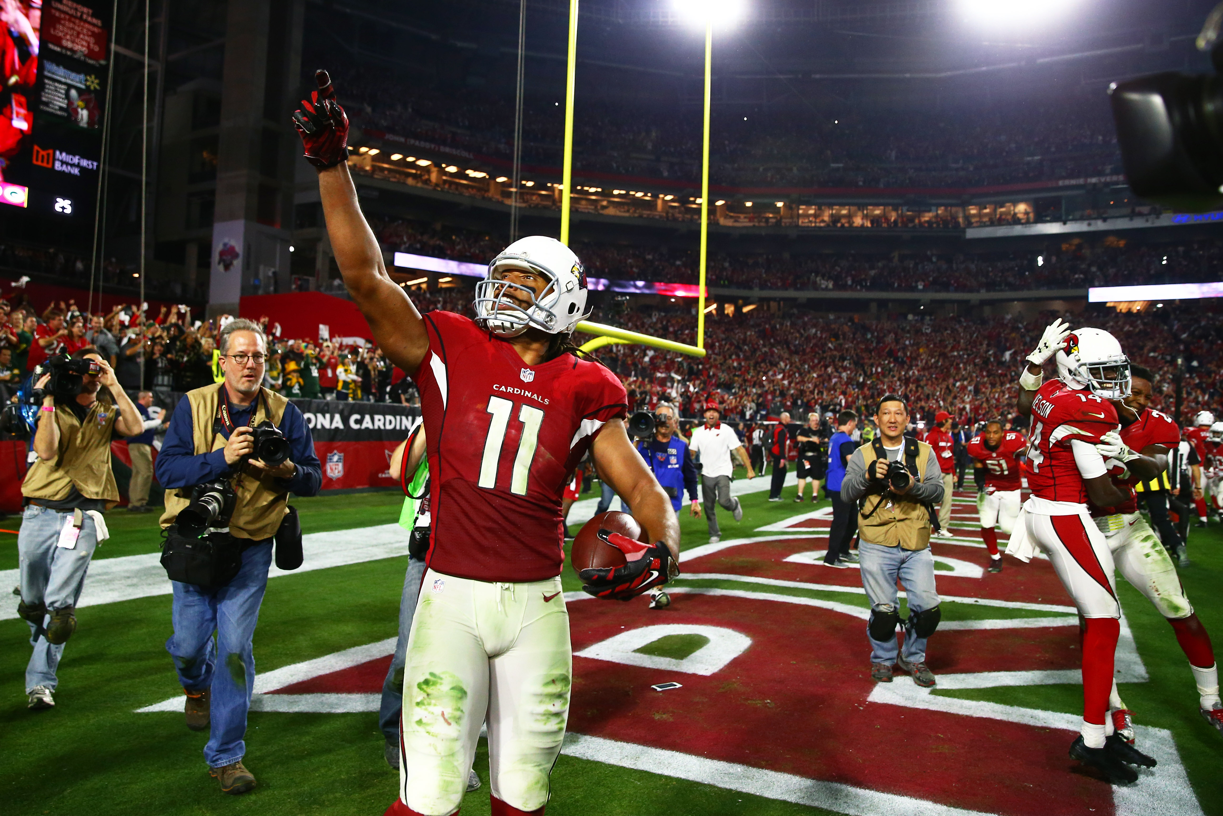 Larry Fitzgerald graduated from college and fulfilled a 15-year-old promise to his mother