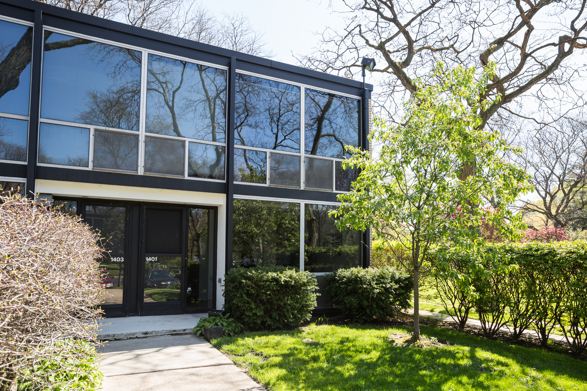 Lovely Mies Van Der Rohe Townhouse Lists For 350k