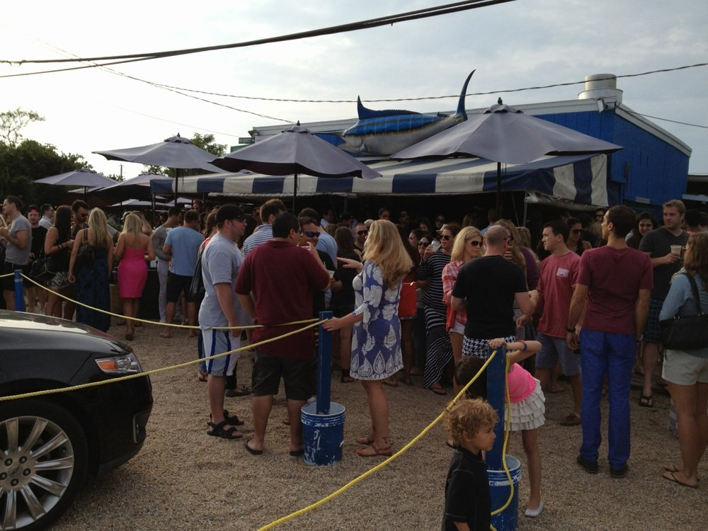 crowding at hamptons restaurant