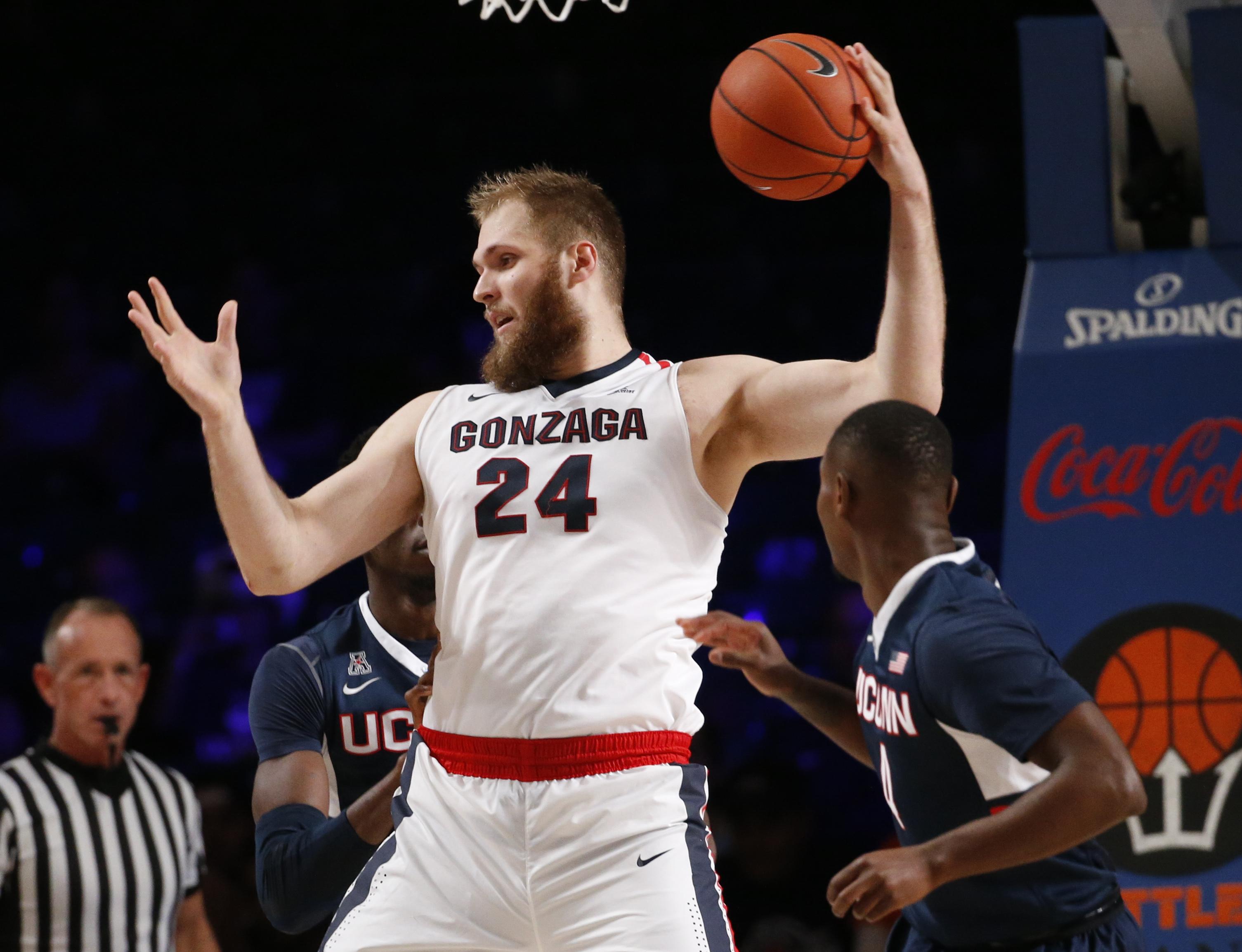 NCAA Basketball: Battle 4 Atlantis-Connecticut vs Gonzaga