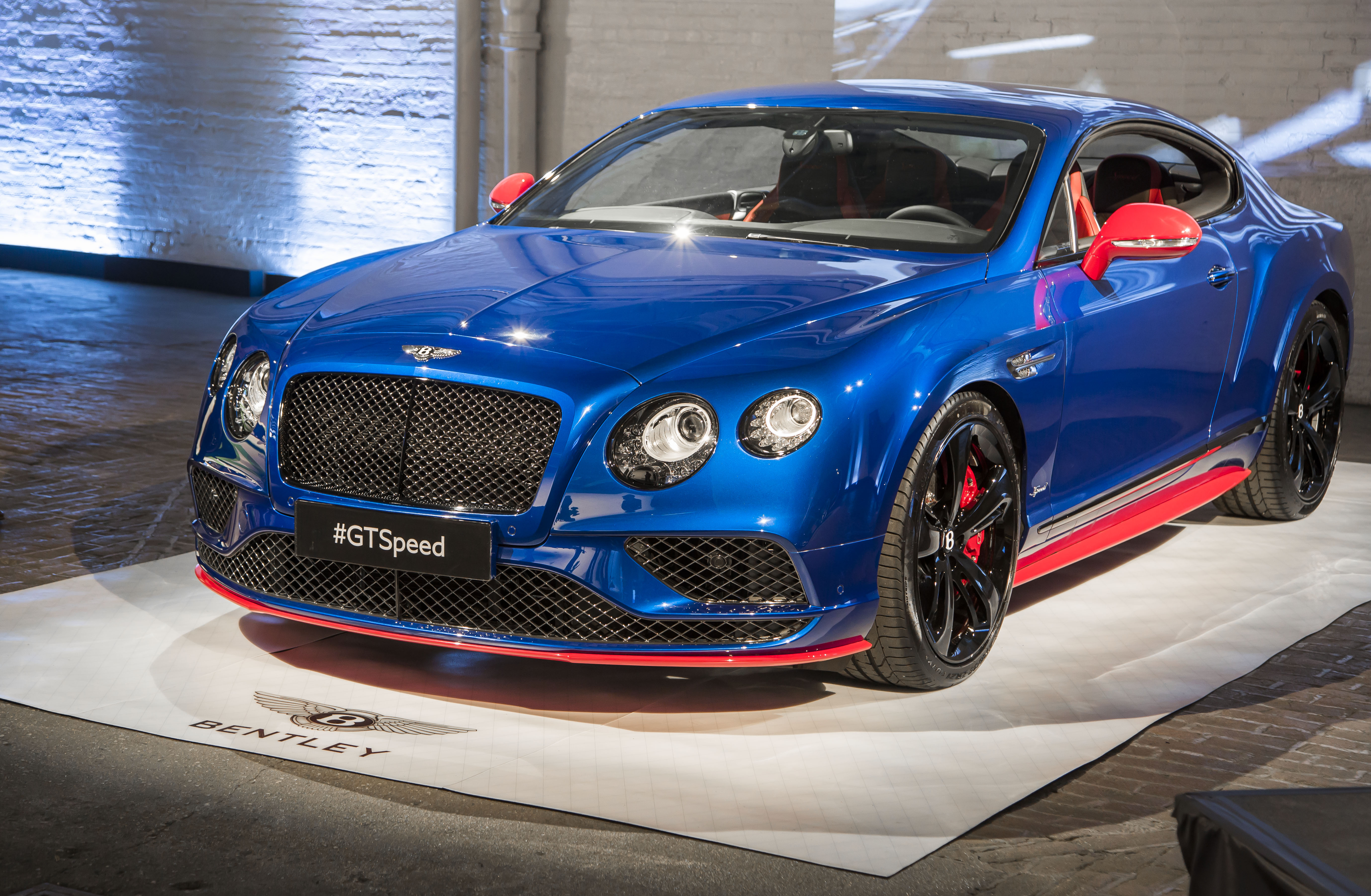 new reveal hands fastest a ever inside fortune supersport and coupe look bentley video continental on take the