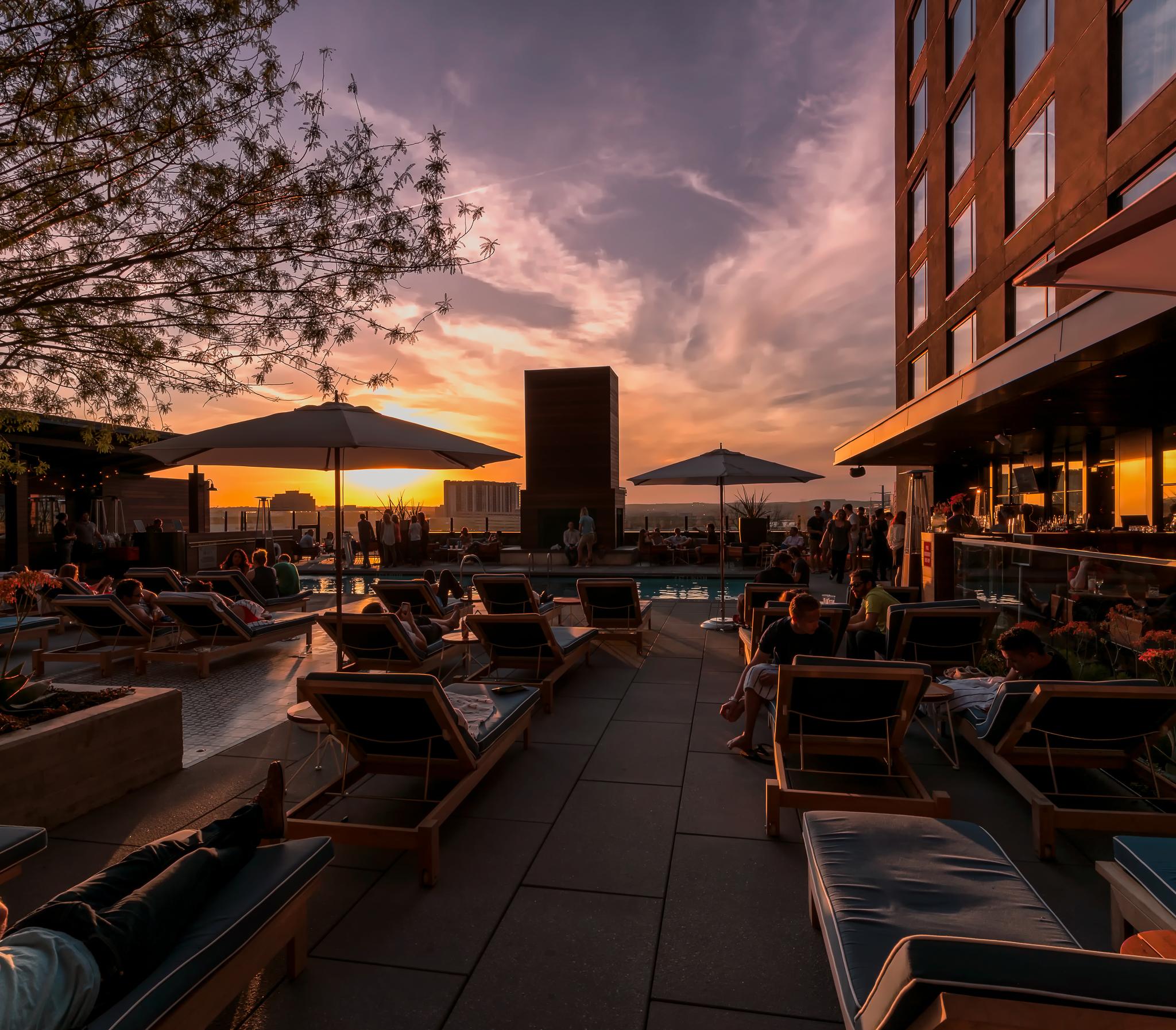 Hotel Van Zandt's pool deck