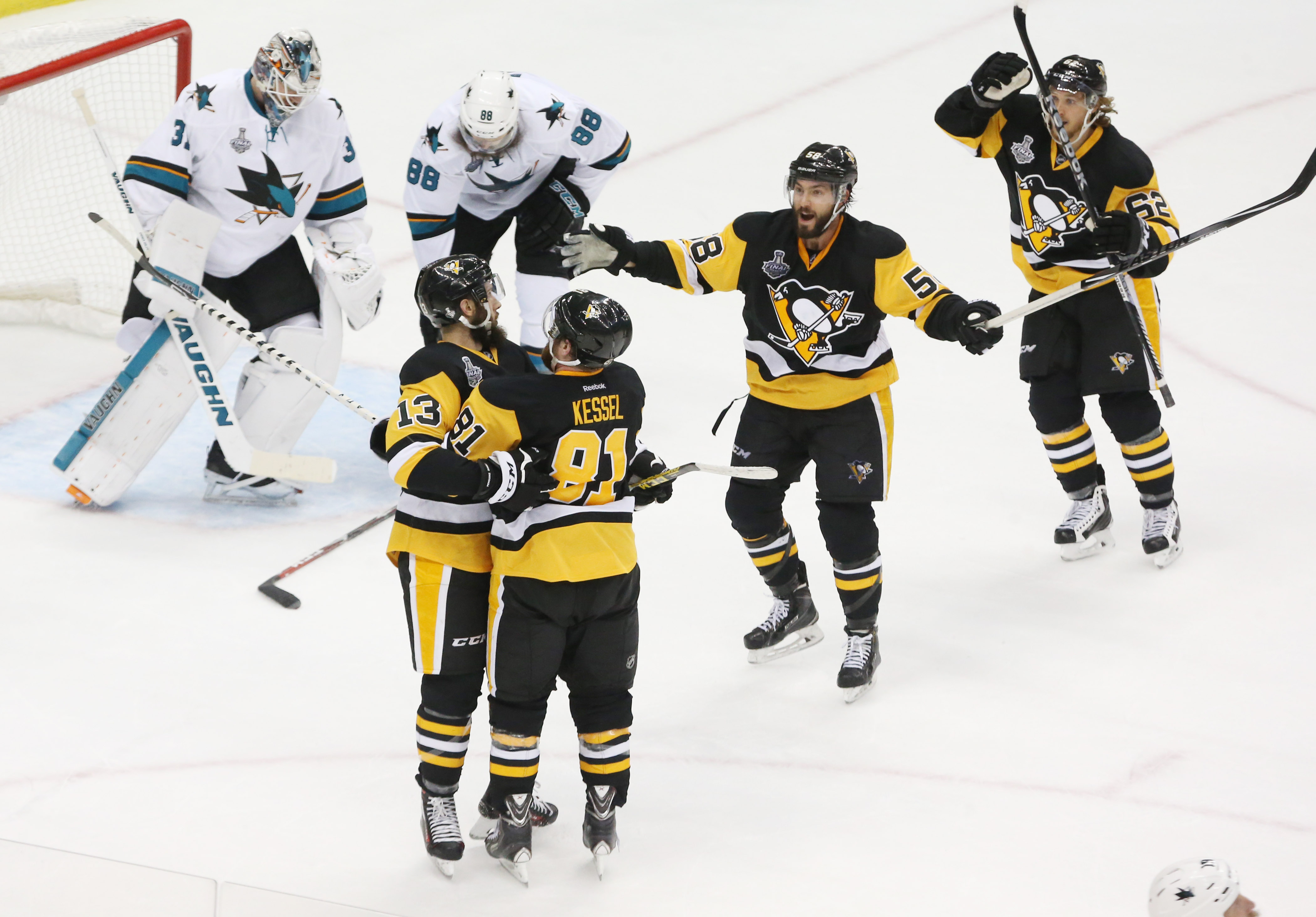 Stanley Cup Final 2016 scores: Penguins, Sharks put on a show in Game 1