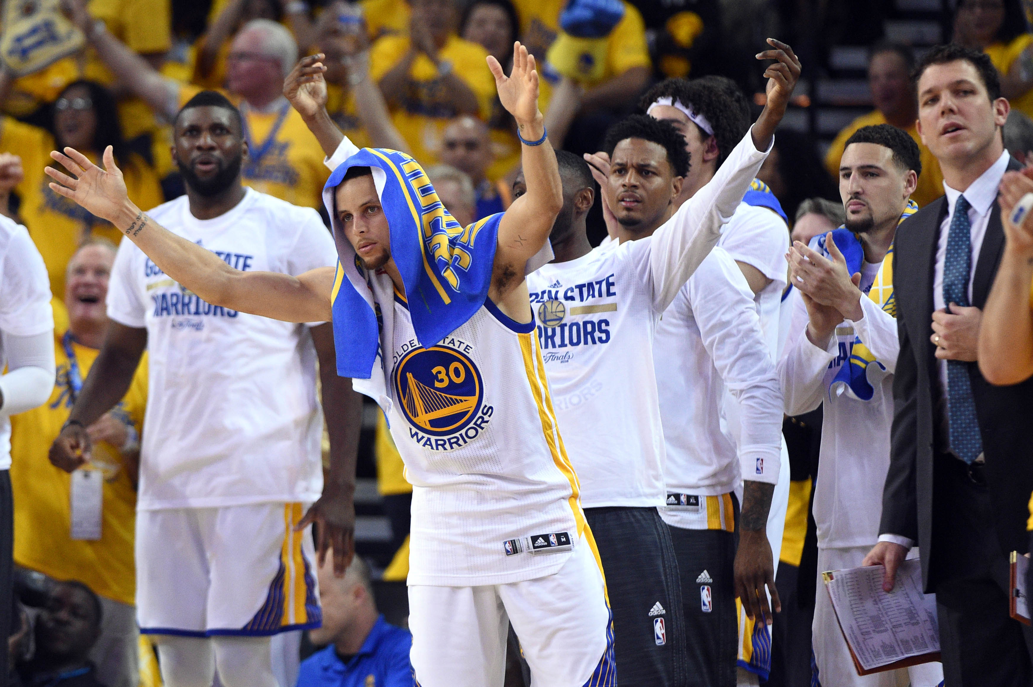 NBA Finals: Warriors bench outshines Cavaliers in Game 1 victory