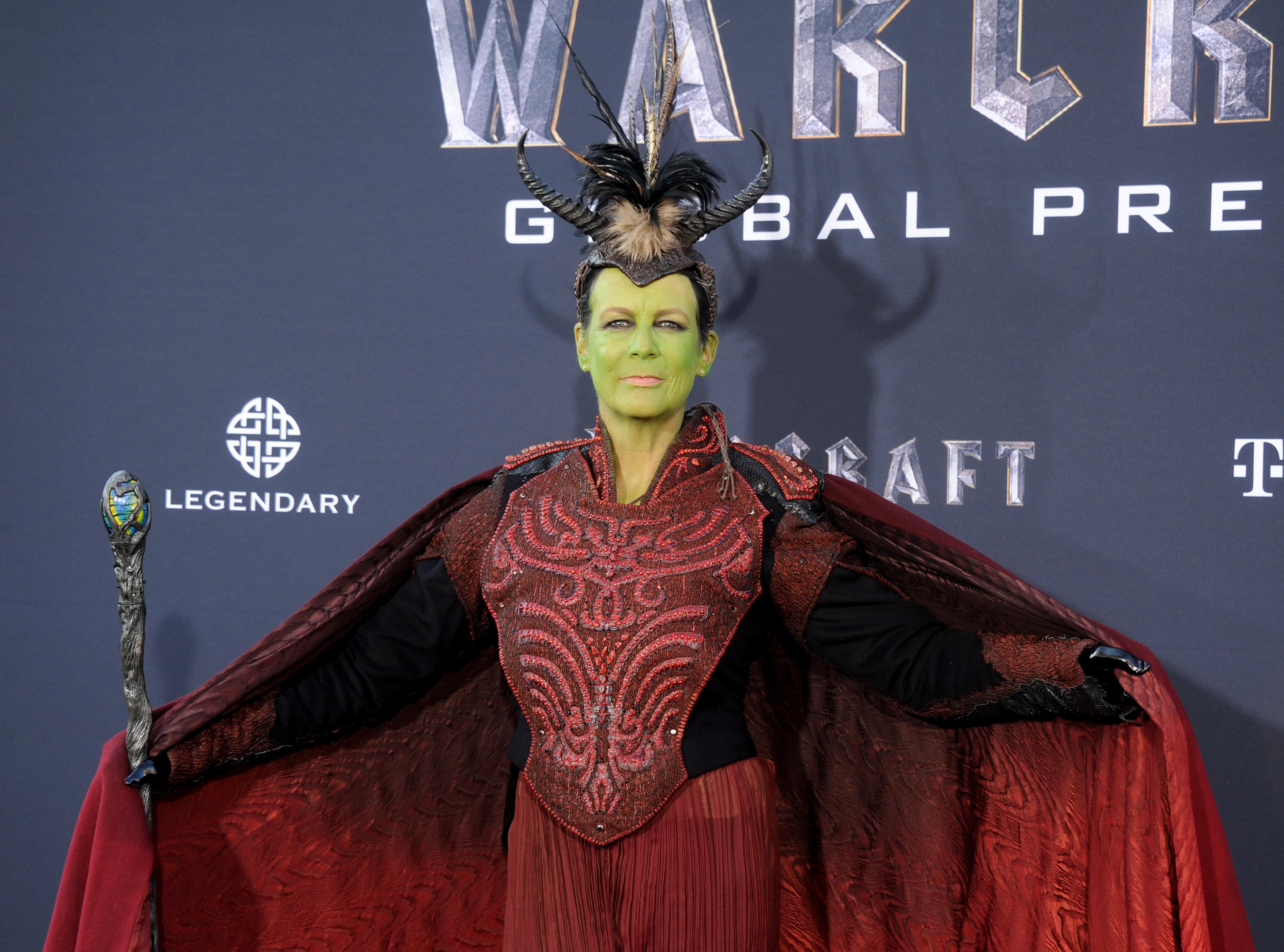 Jamie Lee Curtis cosplays at Warcraft premiere, yells 'Leeroy Jenkins'