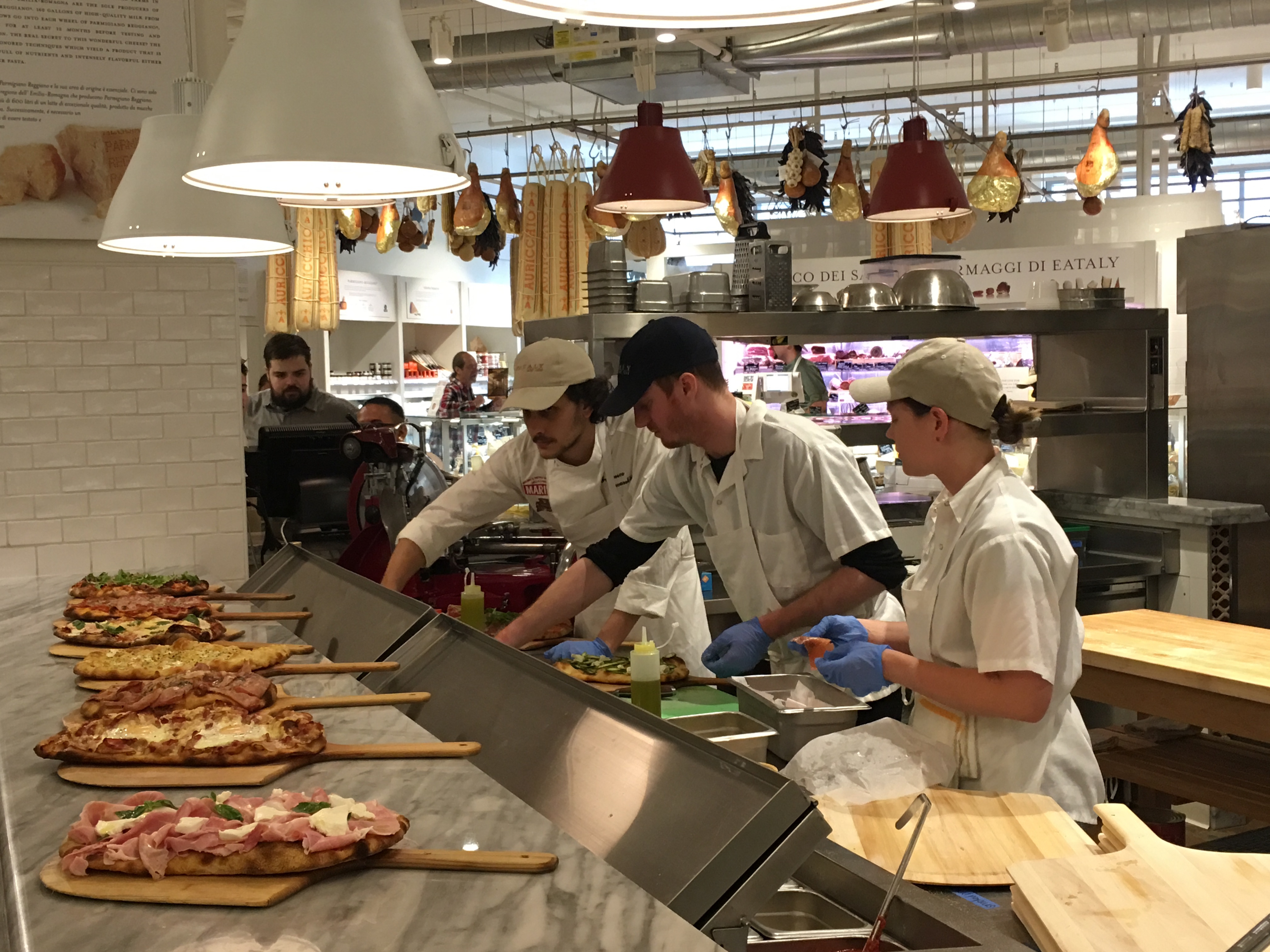 Eataly Chicago's new pizza spot