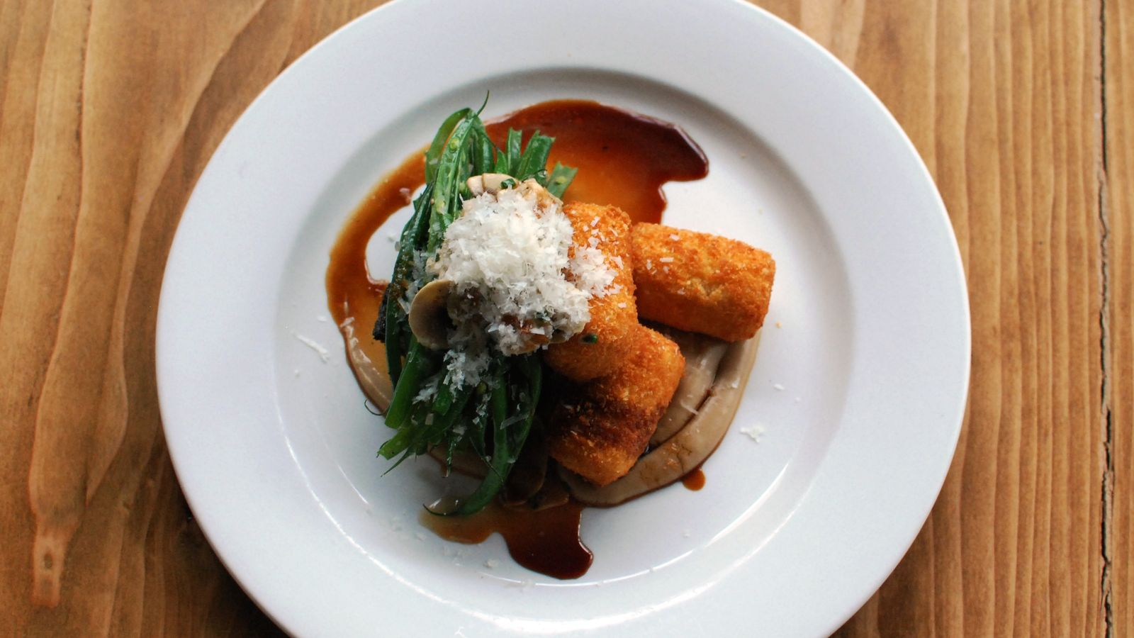 Haute Dish is serving lunch starting next week.