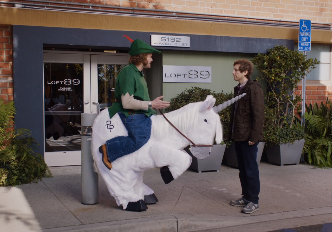 """Erlich from the show """"Silicon Valley"""" rides a unicorn"""