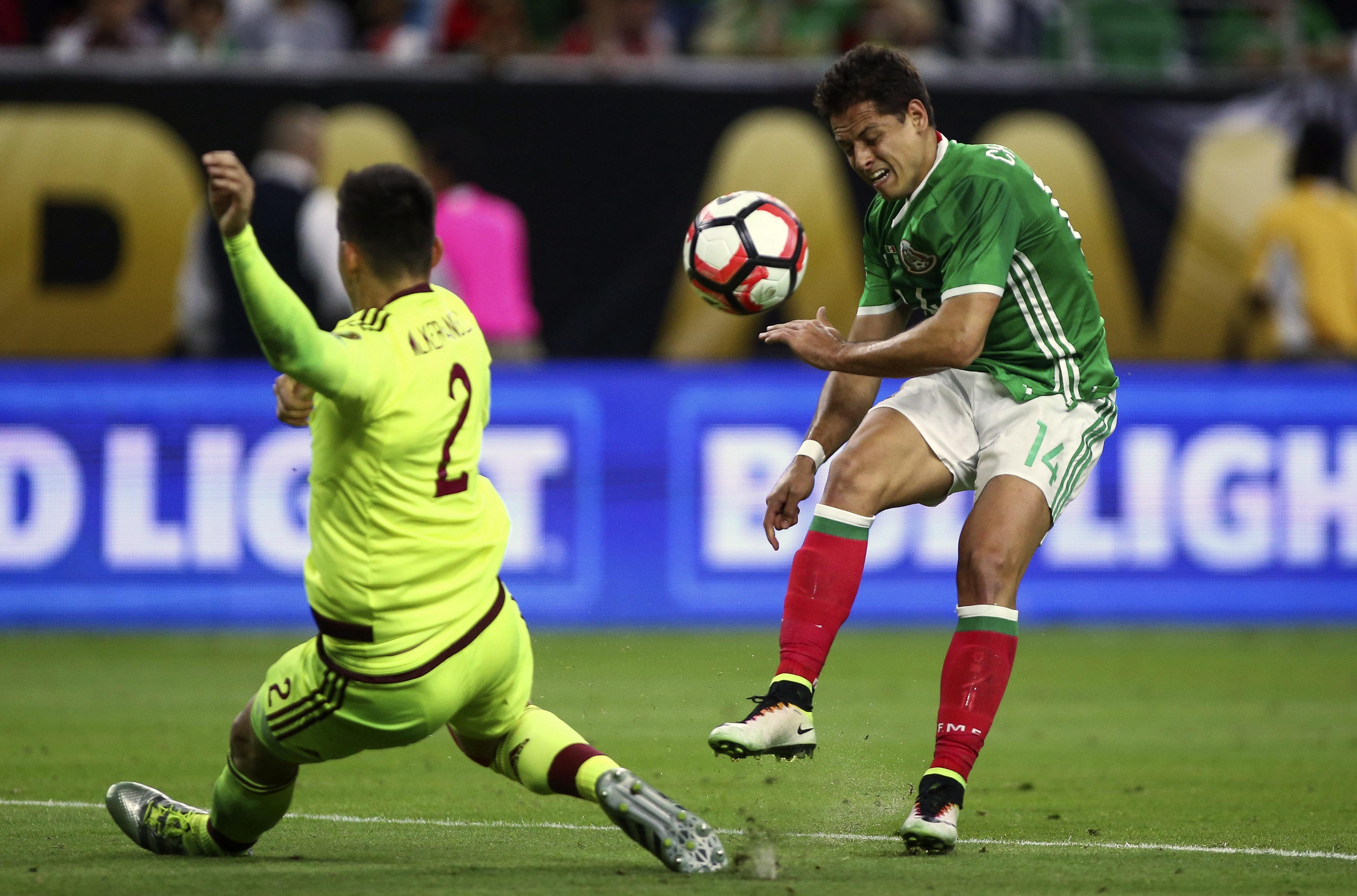 Does Chicharito feel the weight of expectations?