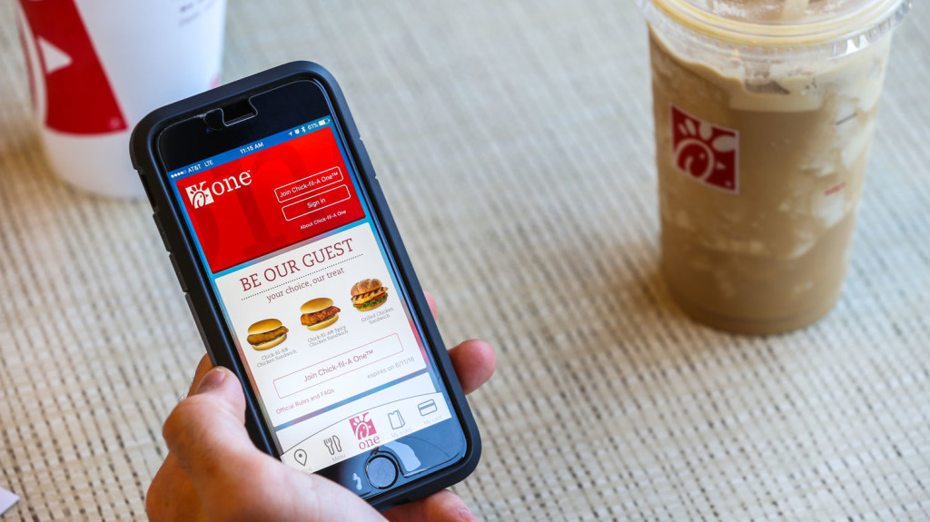 Mobile Apps Boost Sales at Starbucks, Taco Bell, Domino's