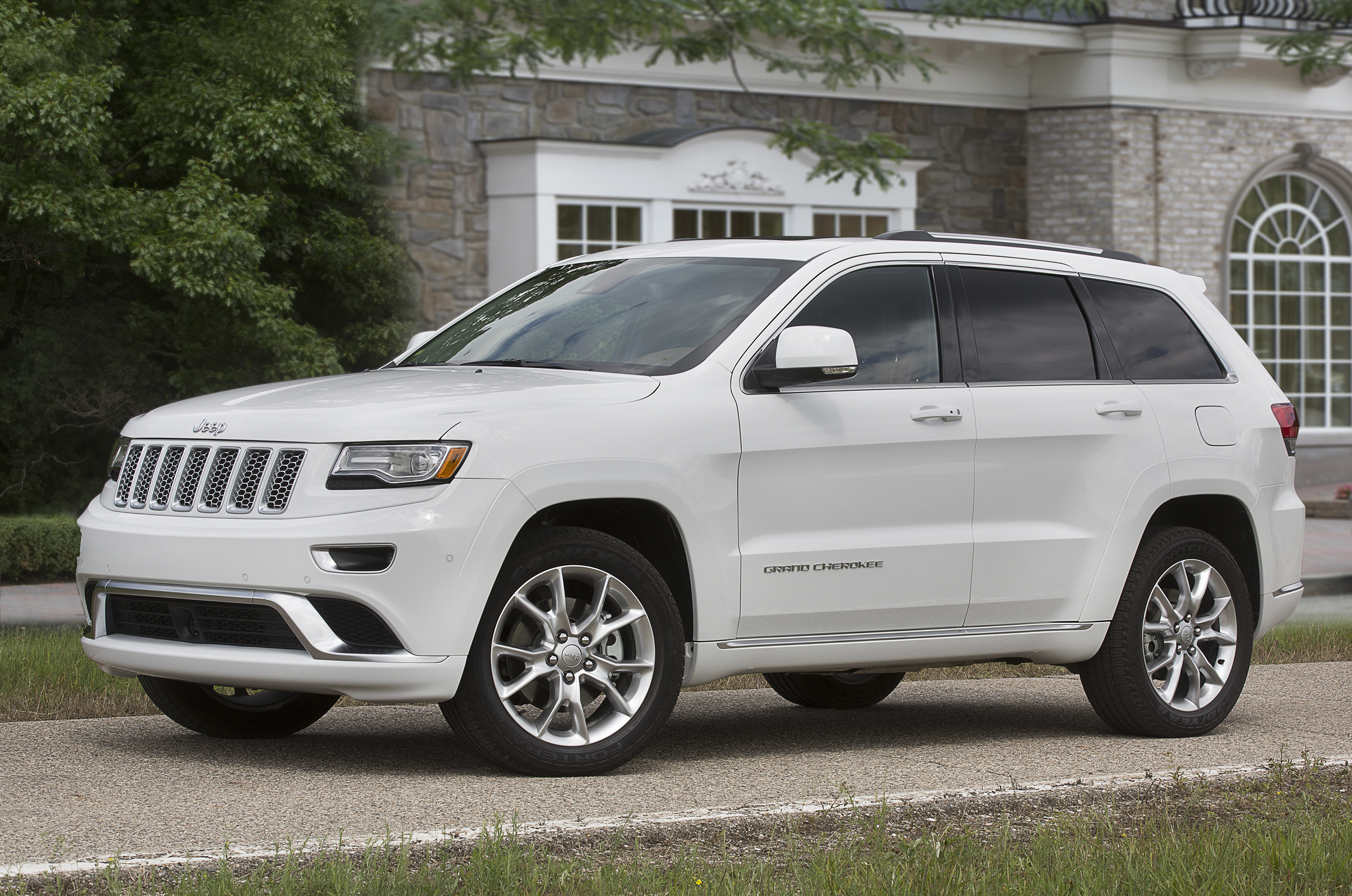 Fca Accelerates Recall Of Confusing Gear Lever That May Have Contributed To Anton Yelchin S