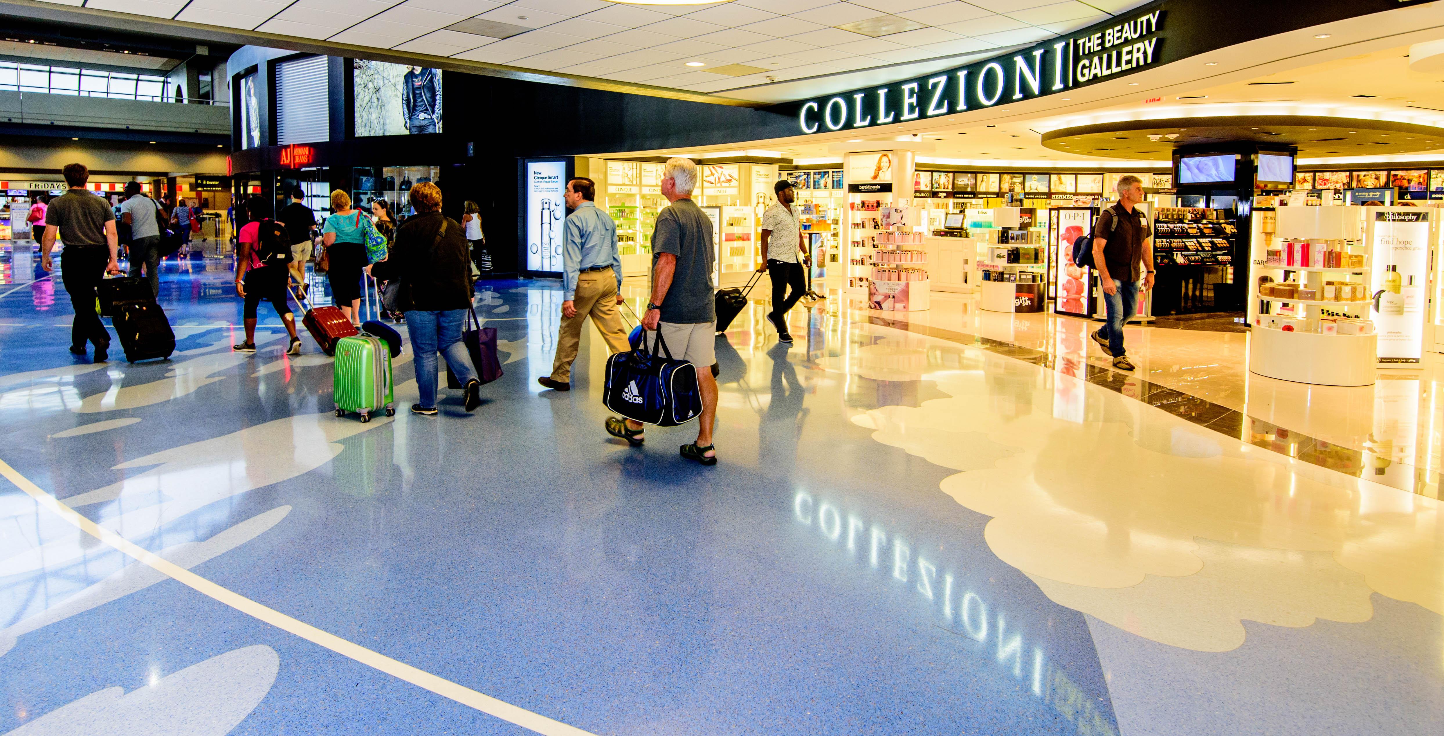 Beauty Shop Collezioni inside the airport.