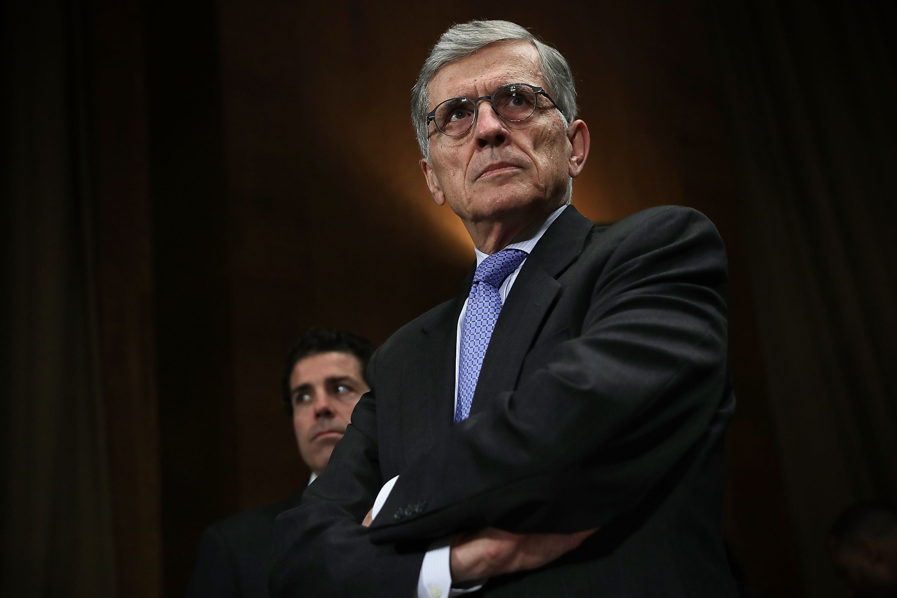 FCC votes to begin working toward 5G wireless networks