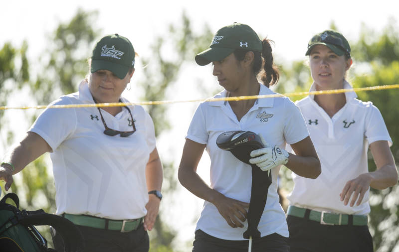 USF women's golfers before the final round of the American championships this past April. New head coach Tiffany Prats will try to get them over the hump and win the title.
