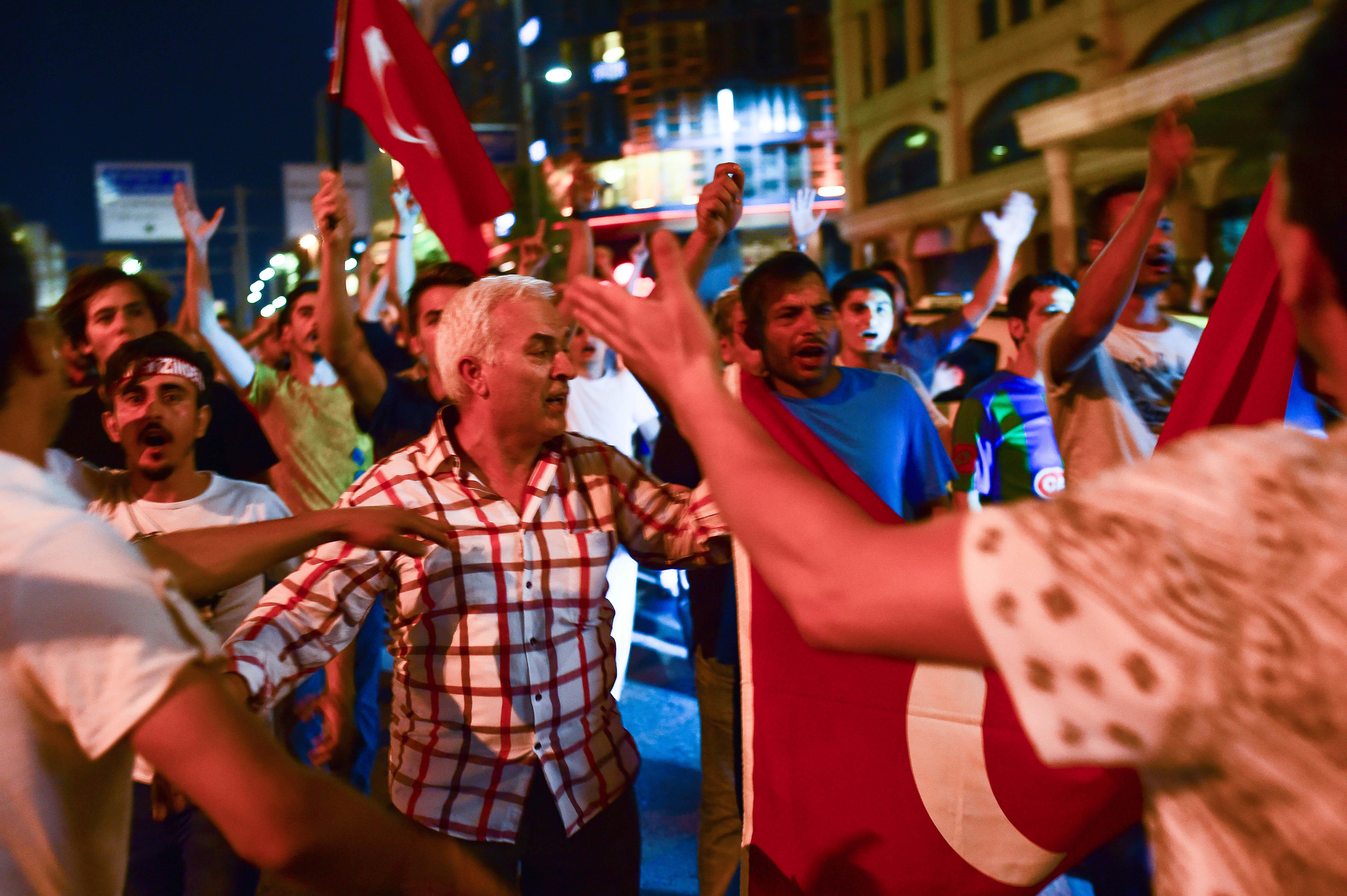Military Occupy Strategic Locations In Turkey