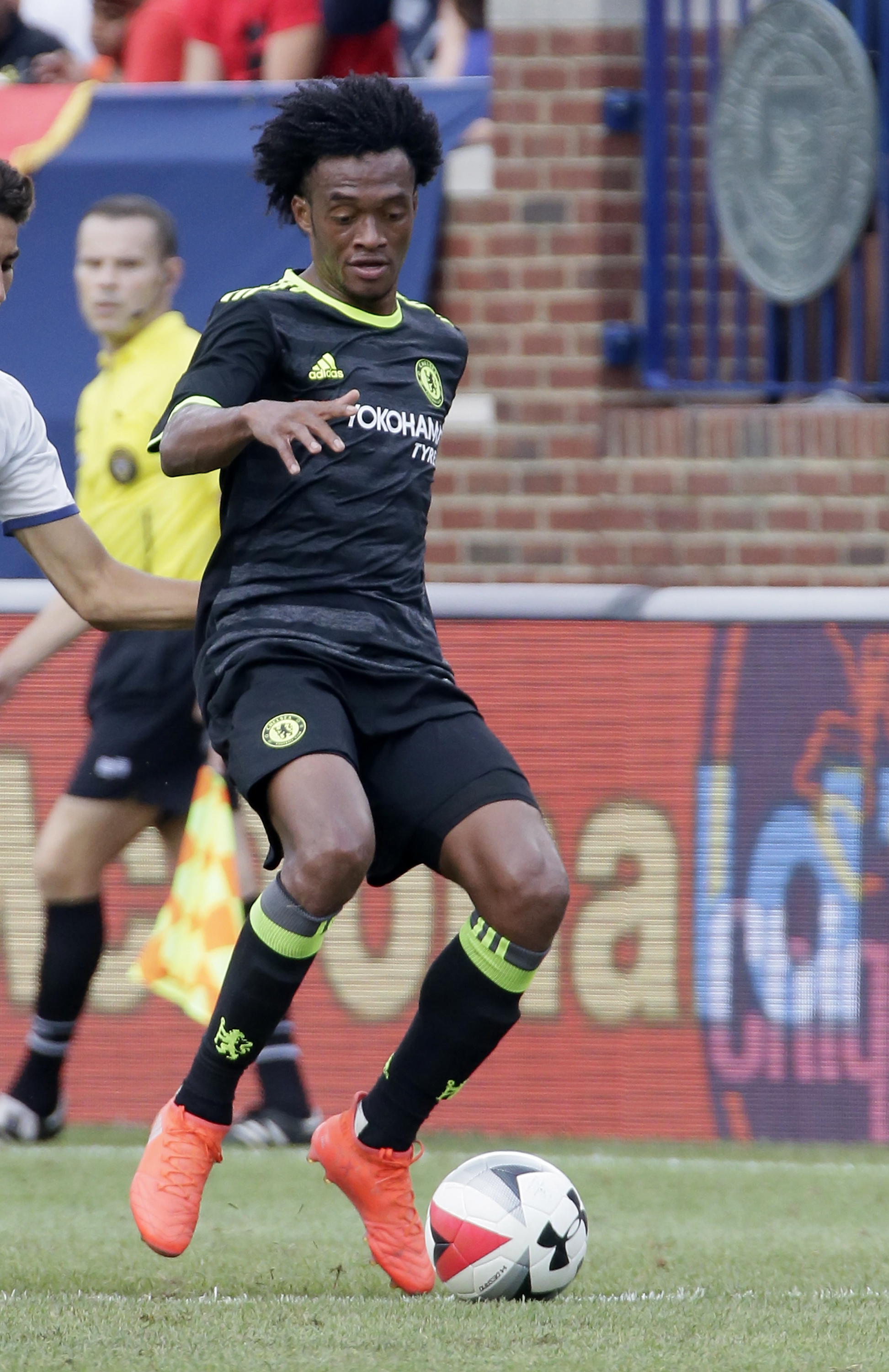 Cuadrado playing for Chelsea at the ICC