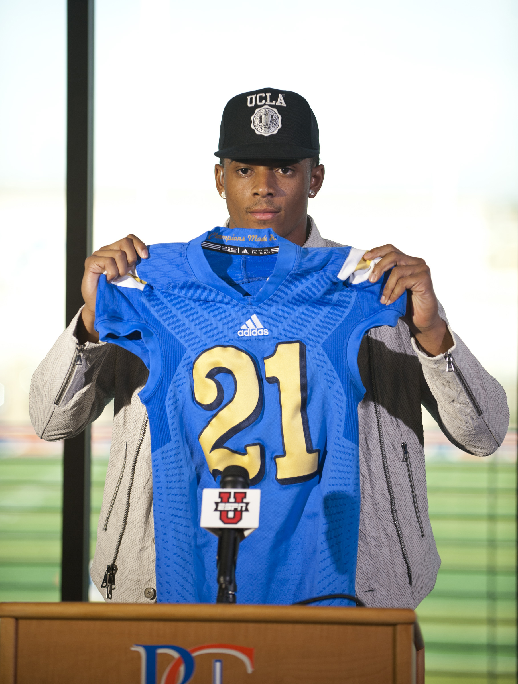 High School Football: National Signing Day-Cordell Broadus