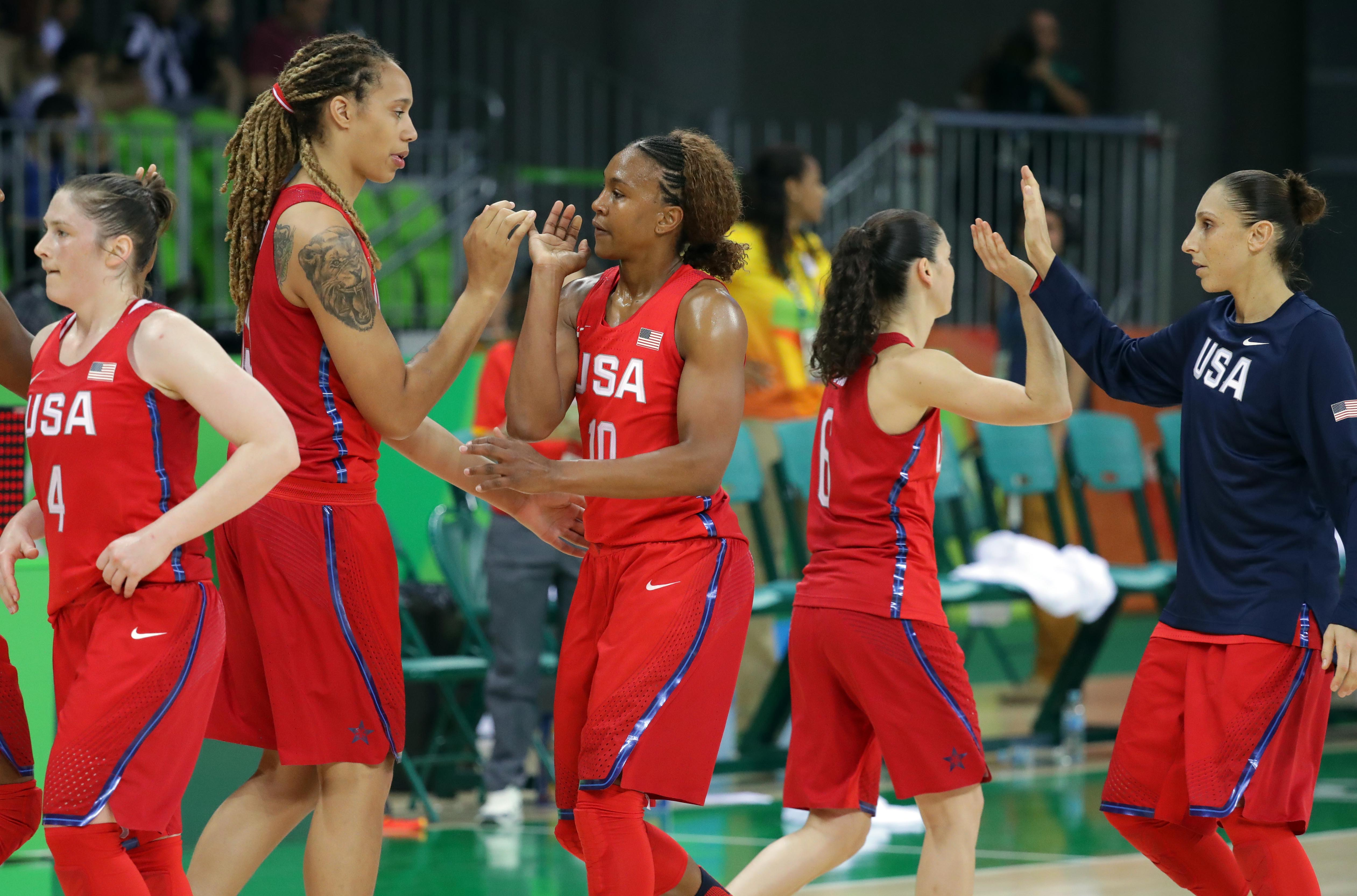 Olympics: Basketball-Women's Team-Preliminary Round ESP vs USA