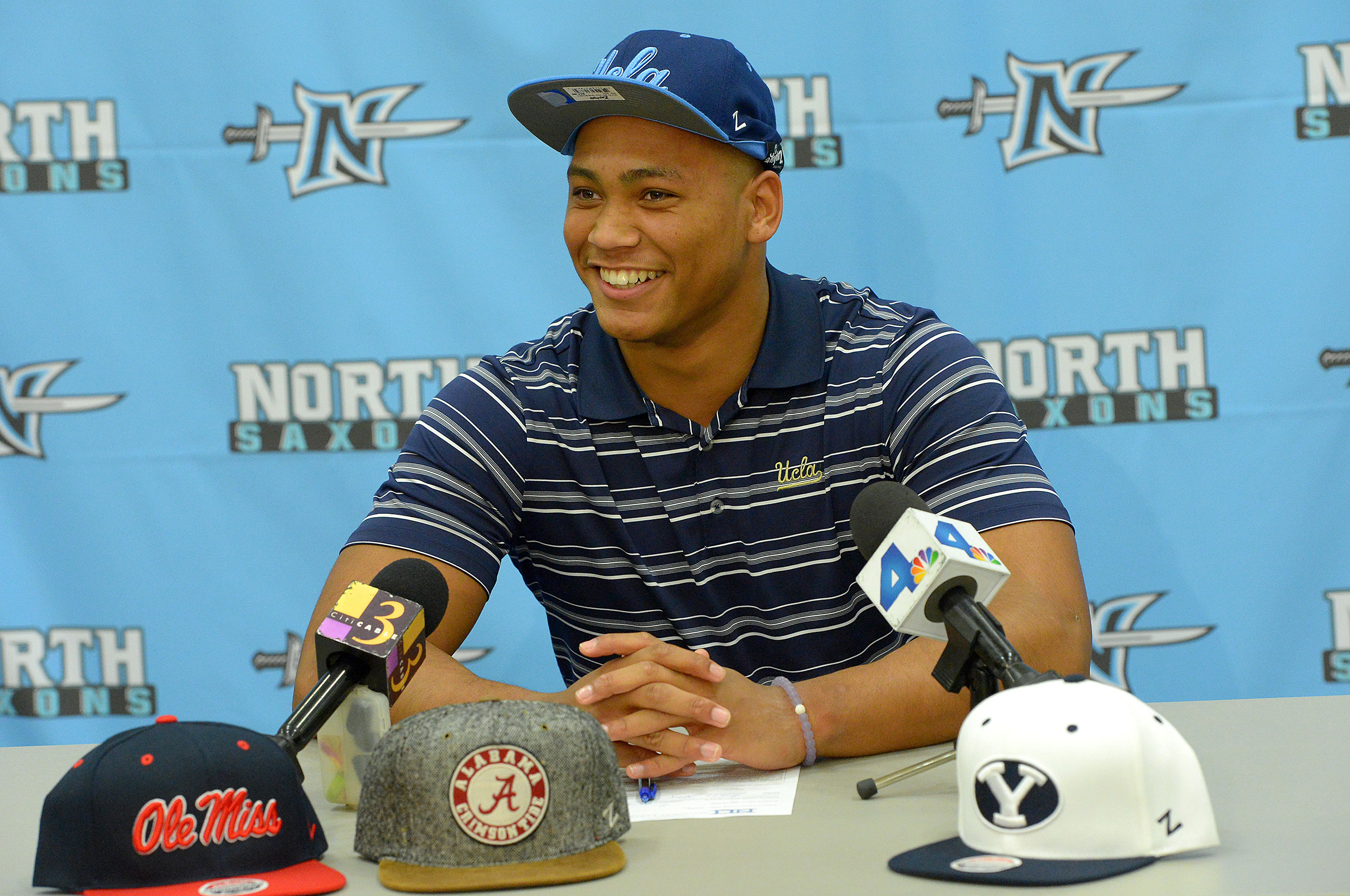 High School Football: National Signing Day-Mique Juarez