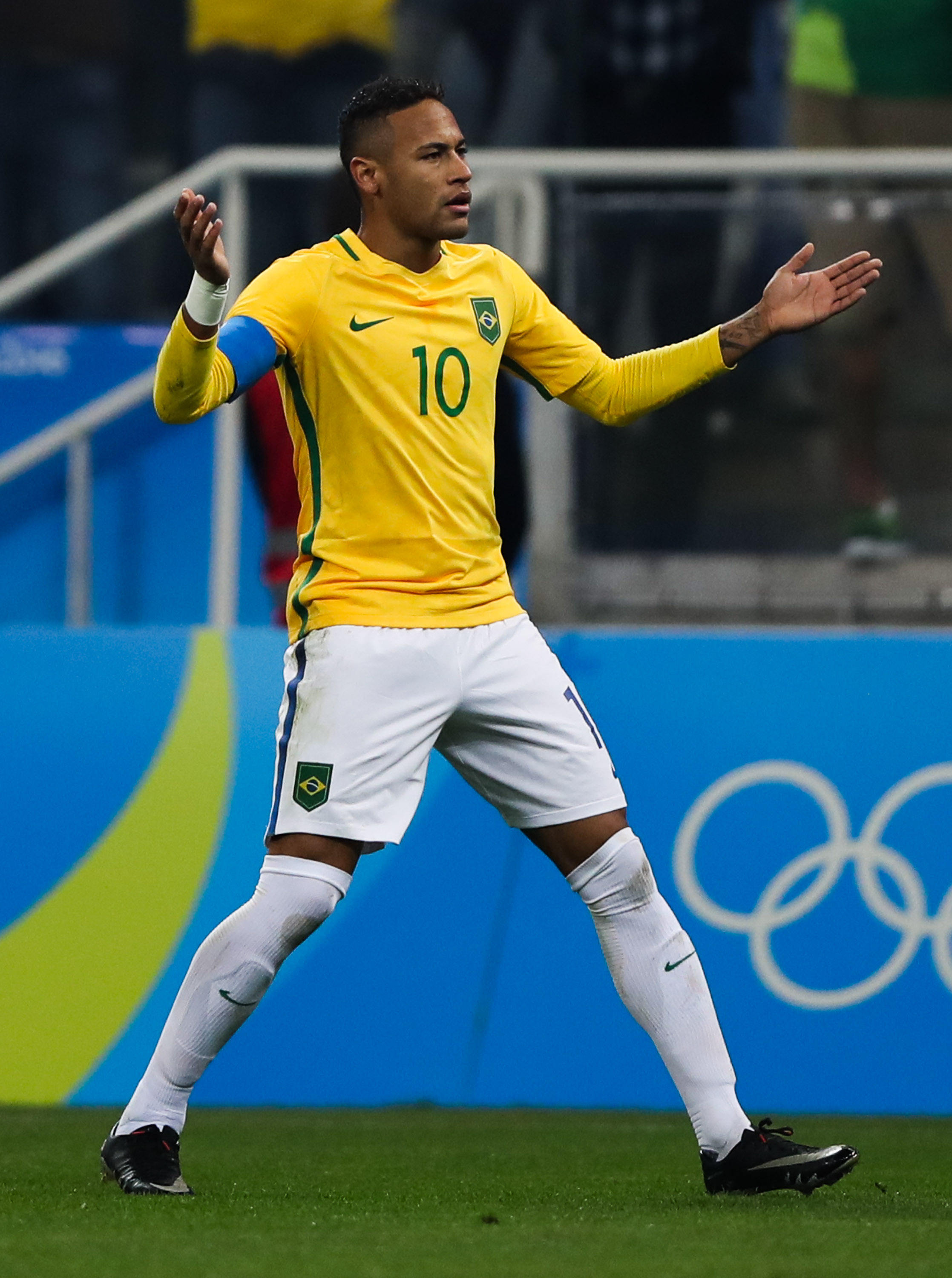 With the Women's team losing in penalties, the pressure mounts on Neymar and the Brazilian men.