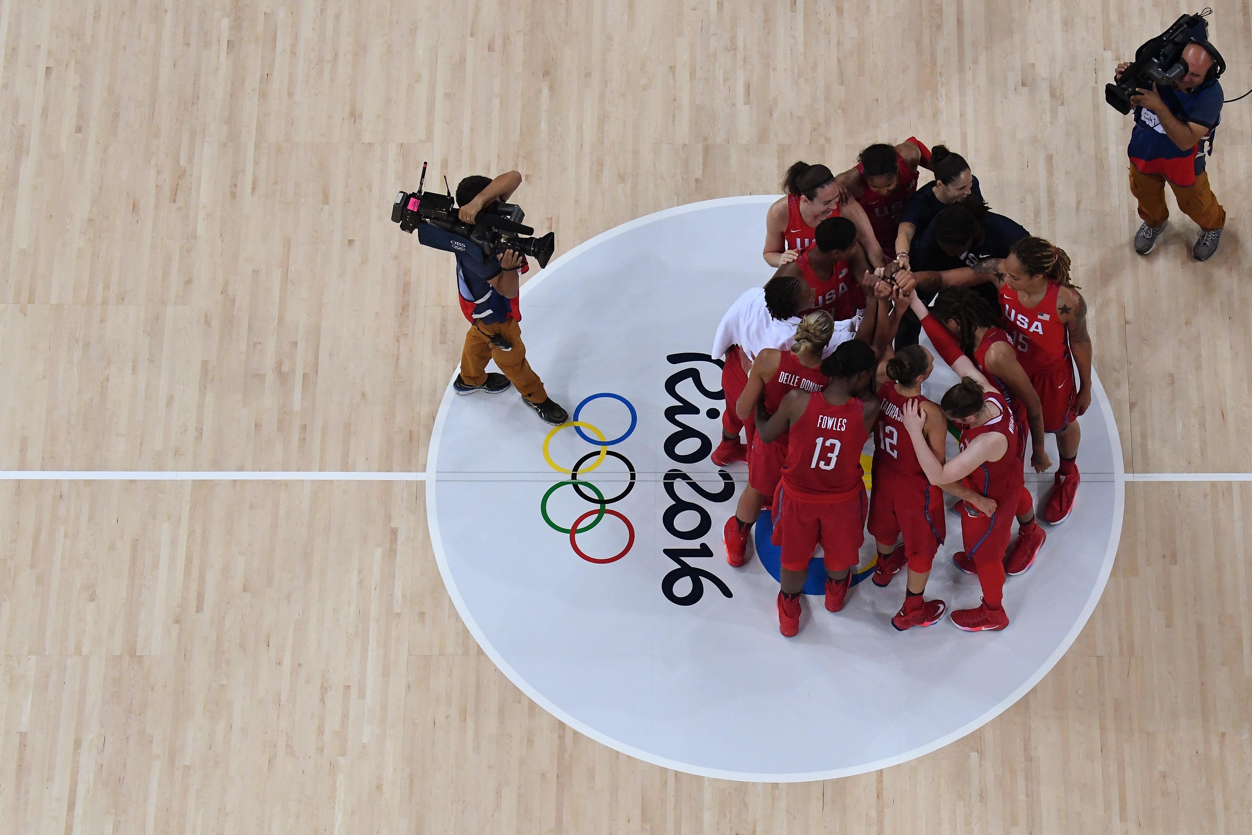 Basketball - Olympics: Day 13