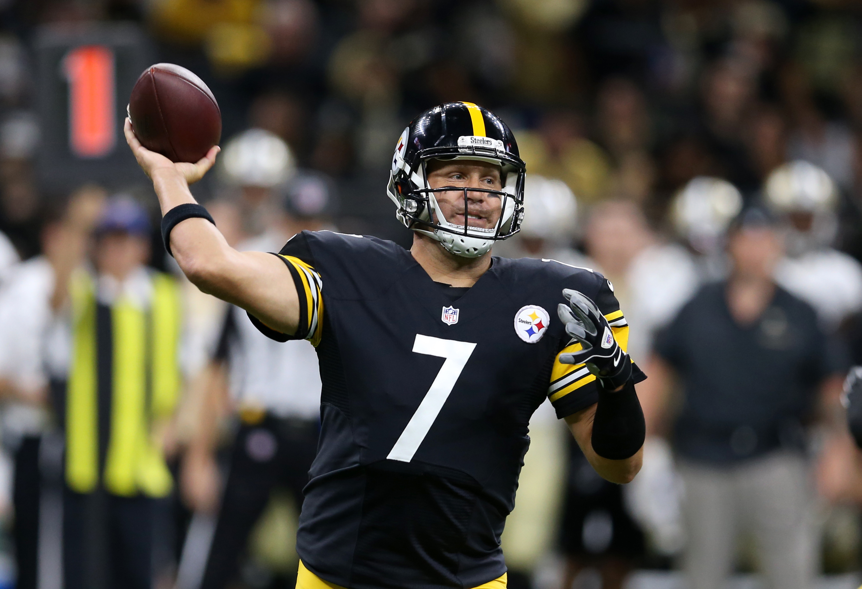 If Ben Roethlisberger & his supporting cast can remain healthy in 2016, he'll be a high-end fantasy quarterback.
