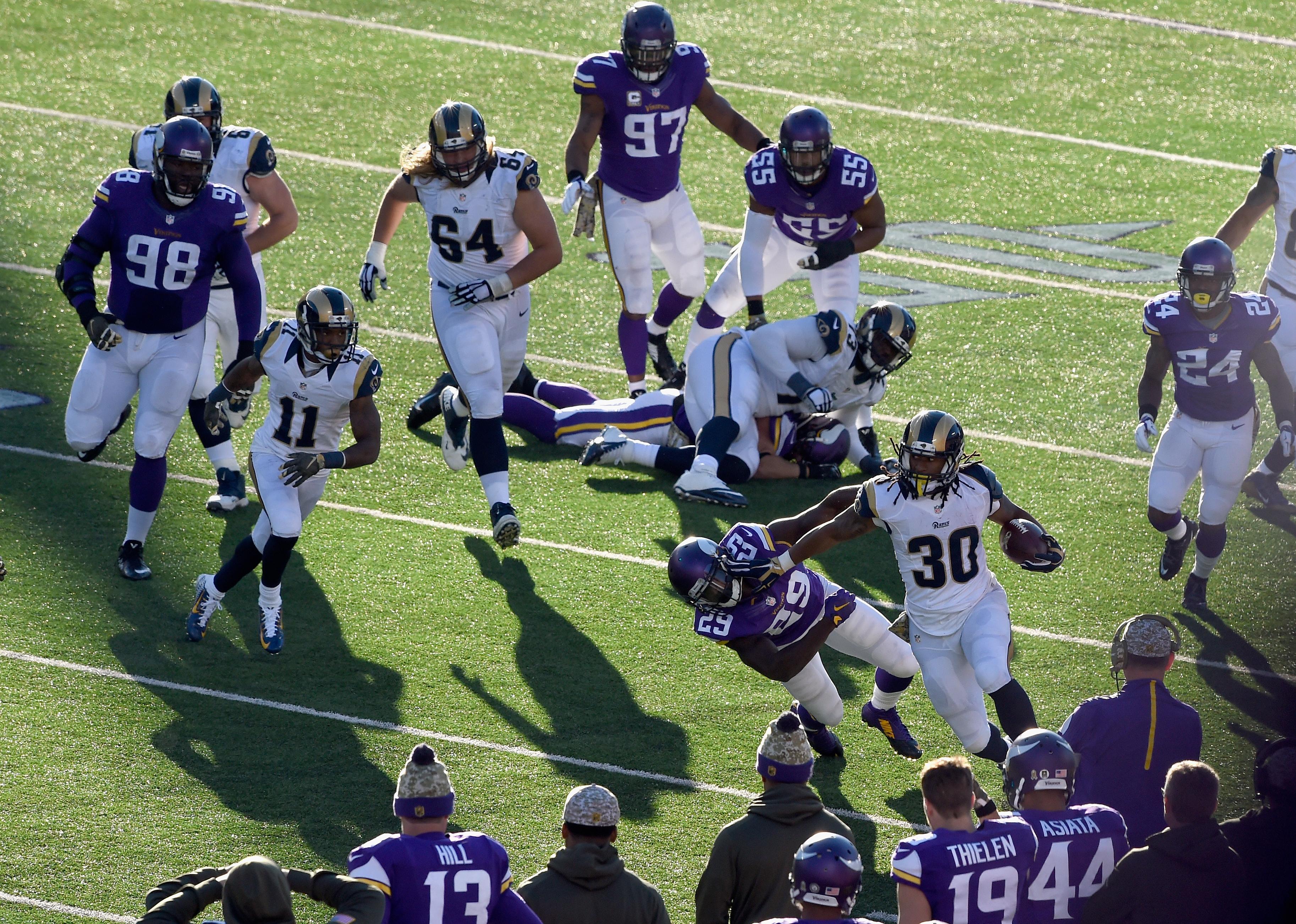 Rams v. Vikings