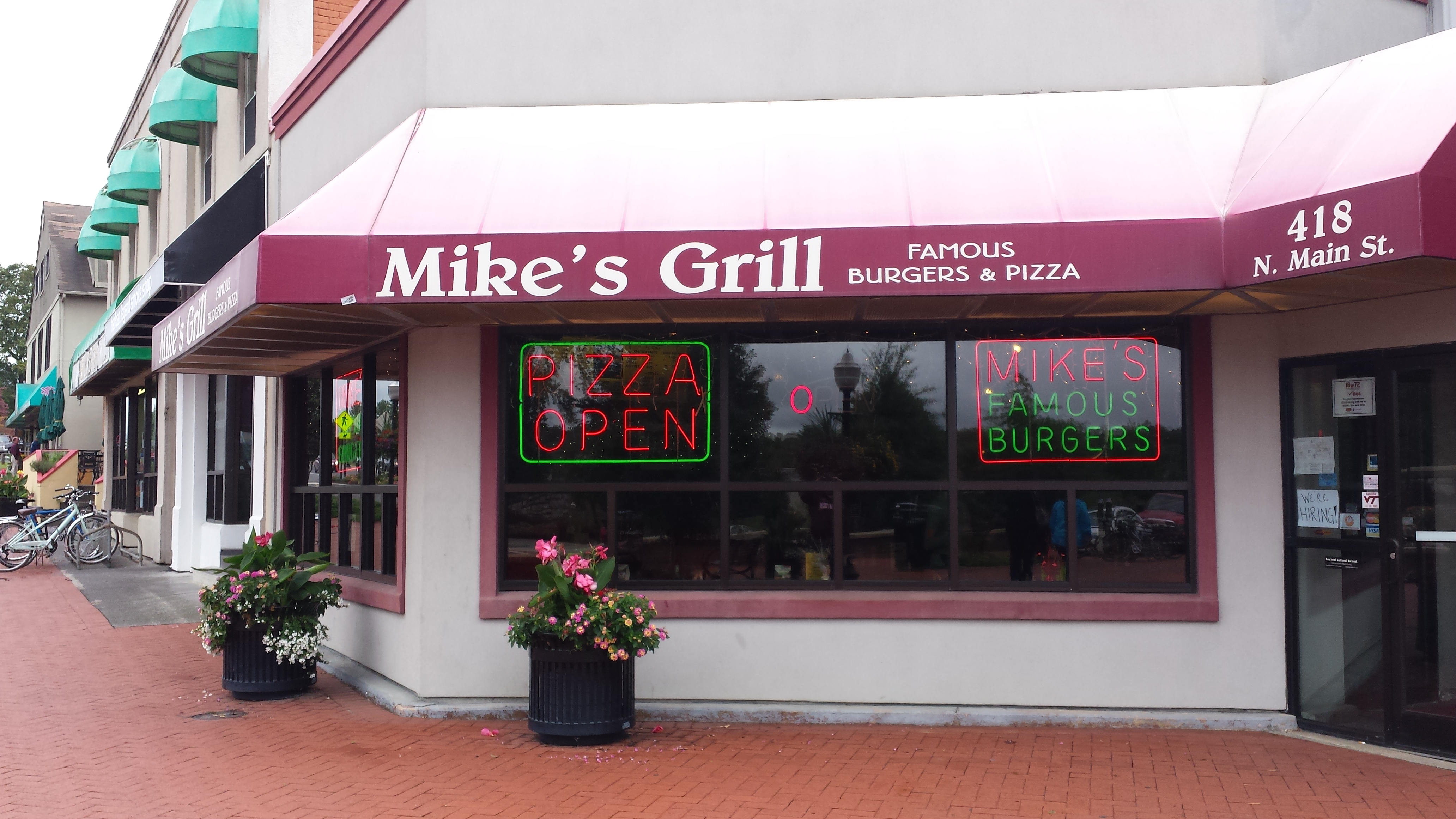 Mikes Grill at the top of the Mall