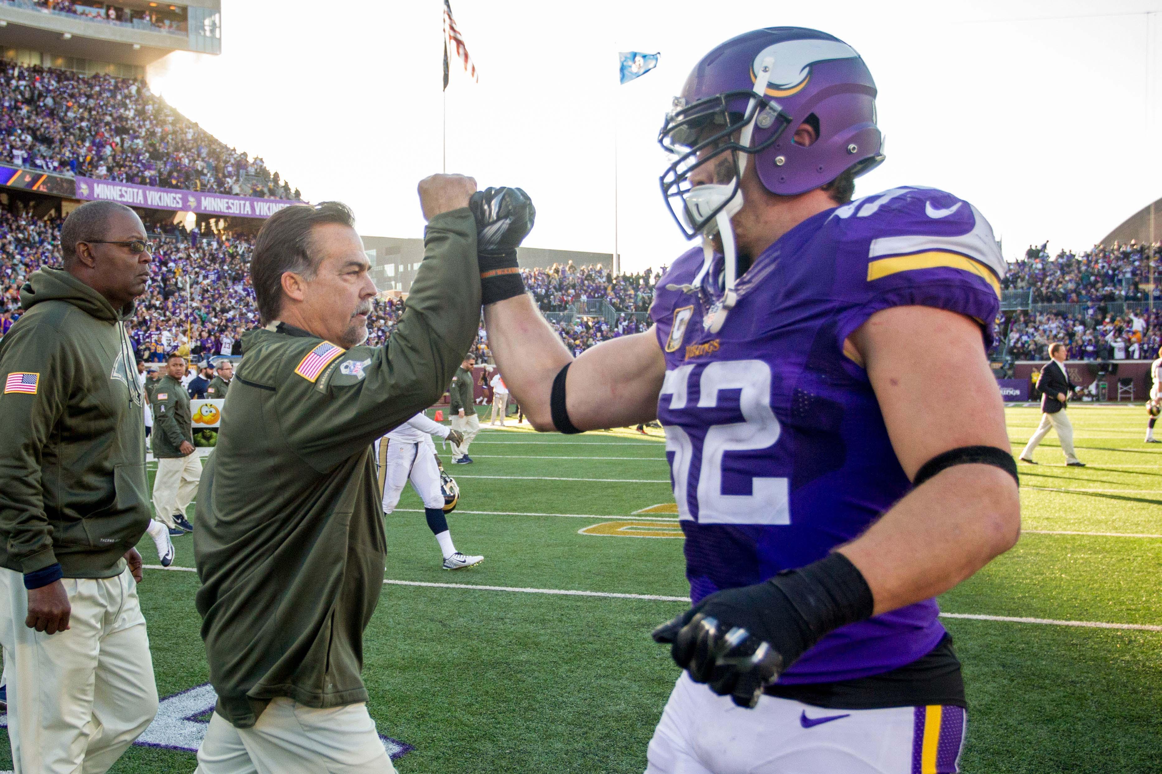 Los Angeles Rams Head Coach Jeff Fisher and Minnesota Vikings LB Chad Greenway