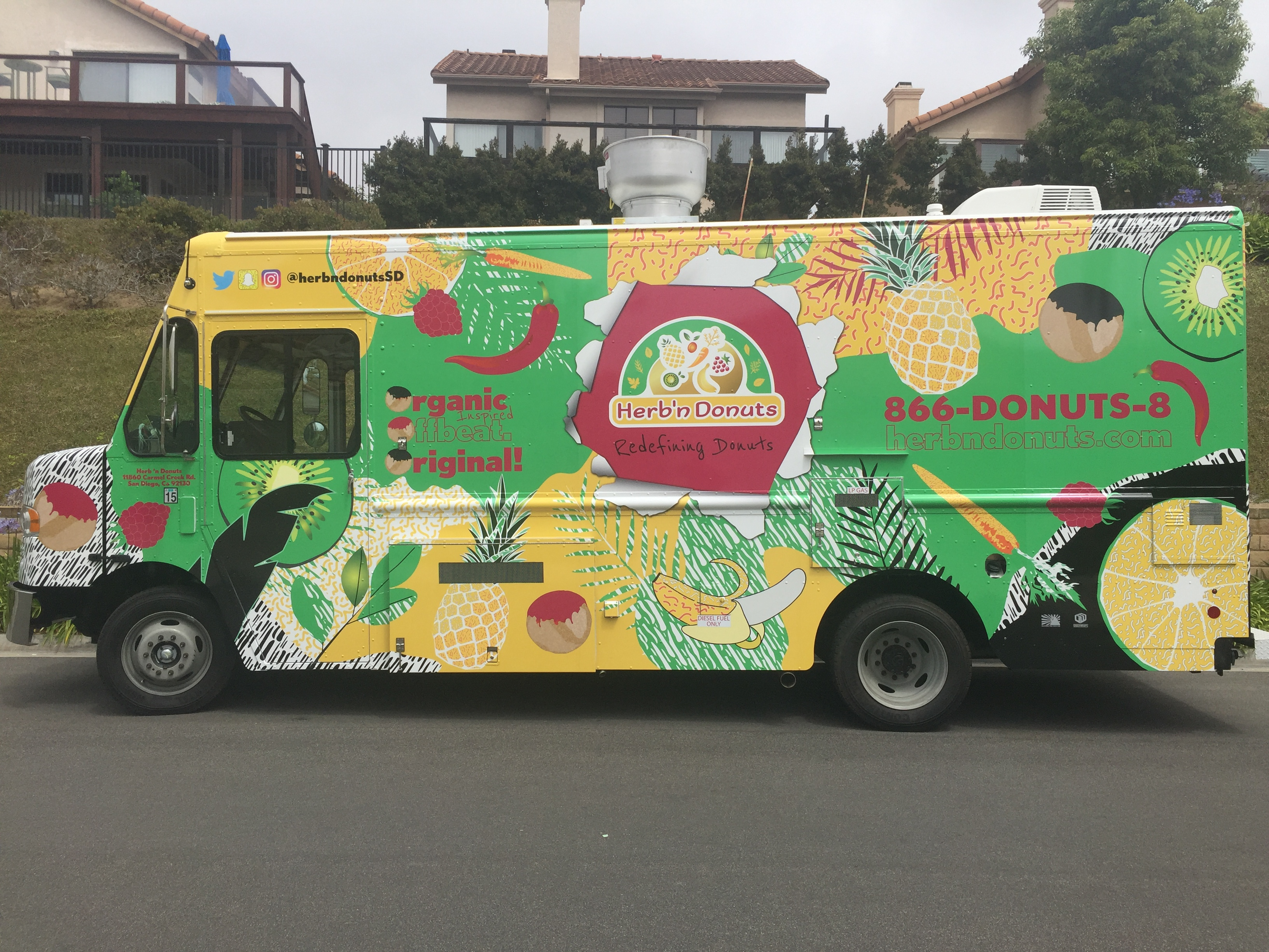 New Food Truck Rolls Out Sweet & Savory Doughnut Sandwiches
