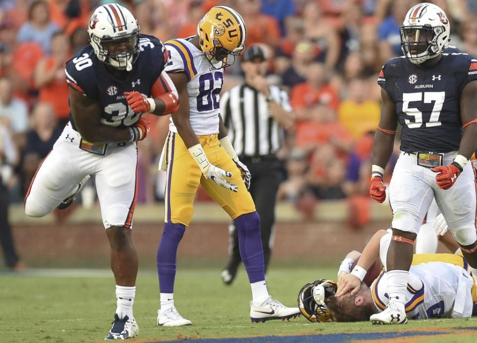 Auburn's defense led the way in tonight's 18-13 upset over LSU