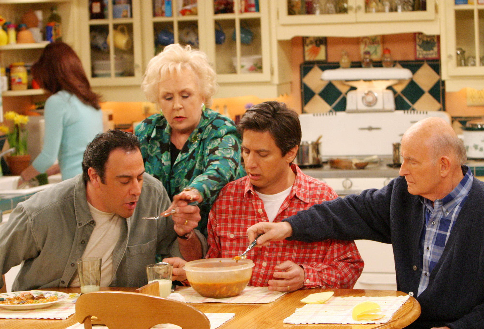 Everybody Loves Raymond deserves to be remembered as a TV classic - Vox