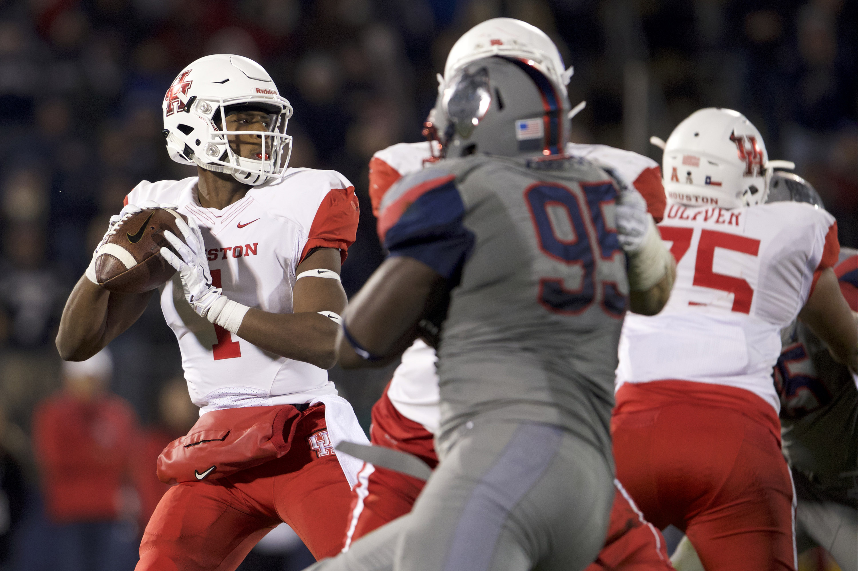 NCAA Football: Houston at Connecticut