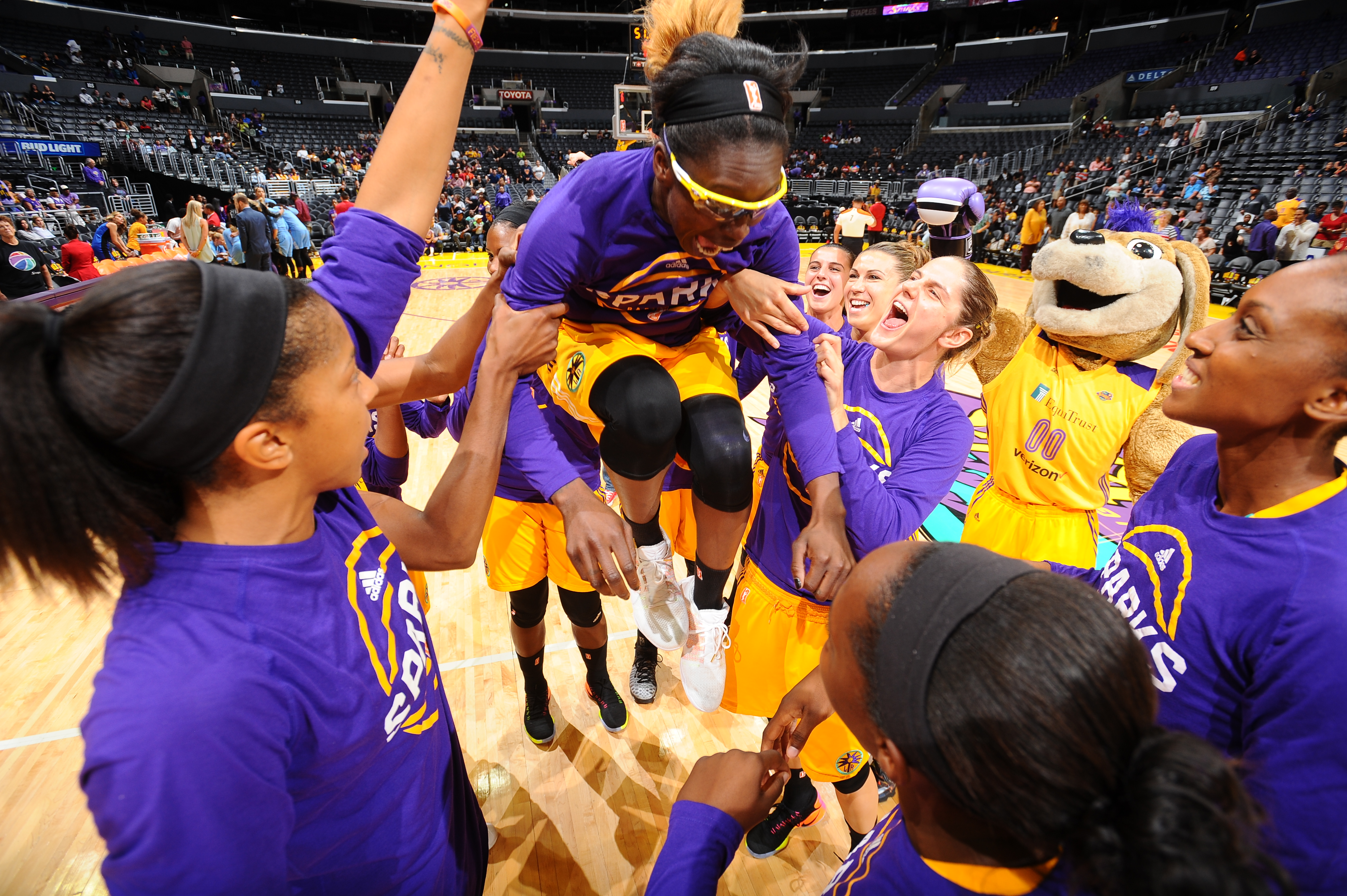 LA Sparks flying high, win Game 2 of WNBA seminfinals