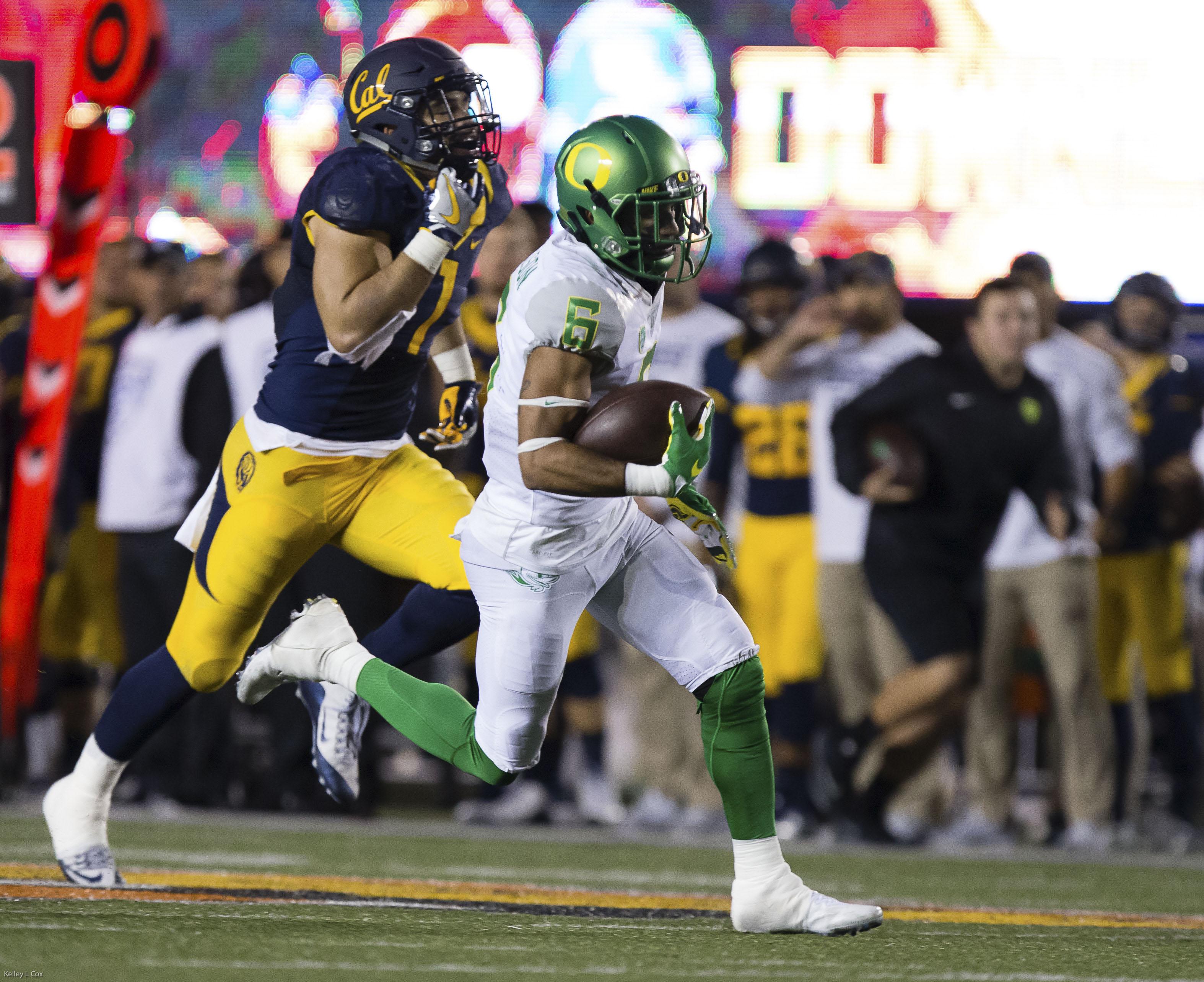 NCAA Football: Oregon at California