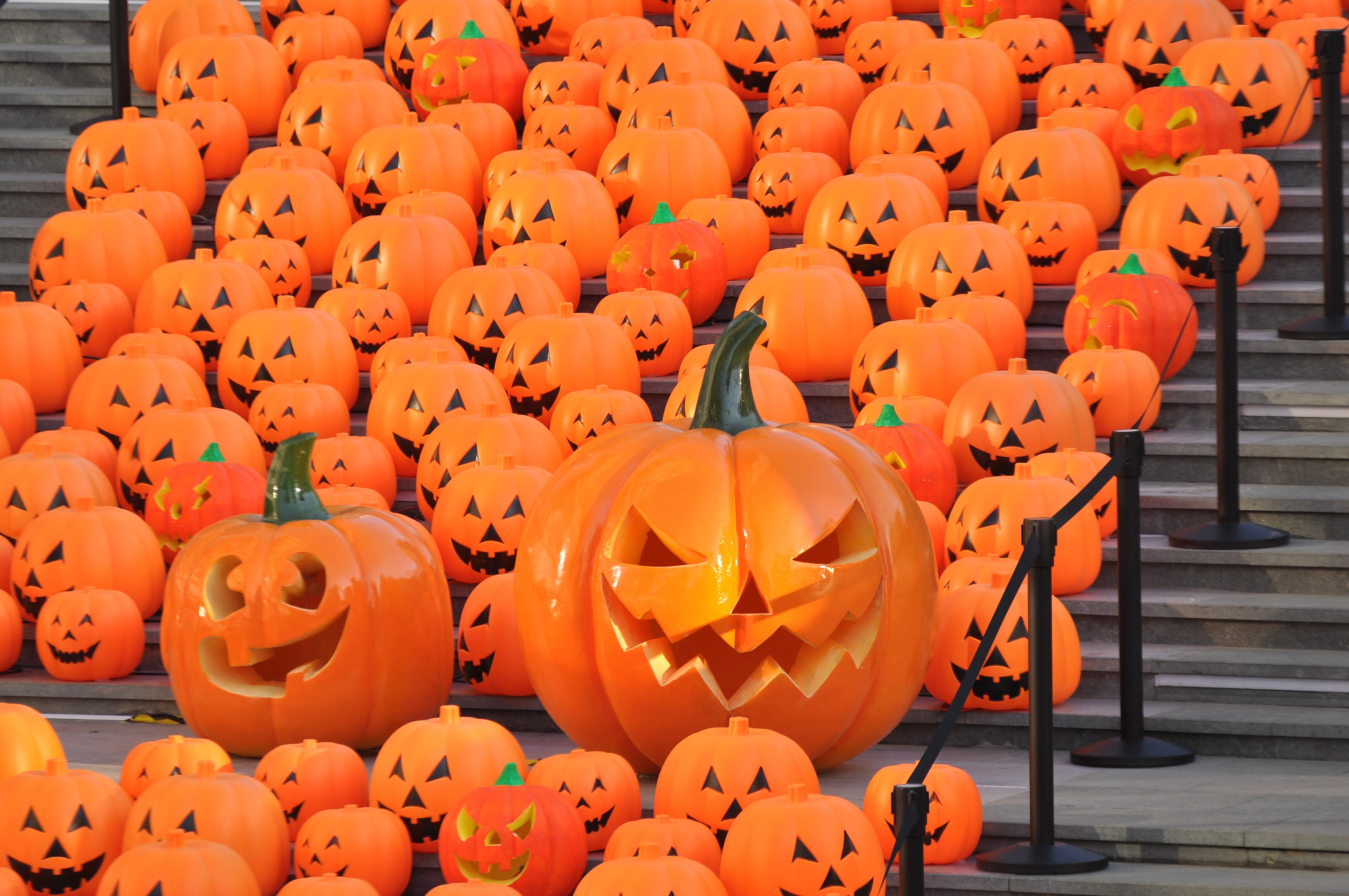 China Welcomes Halloween Day