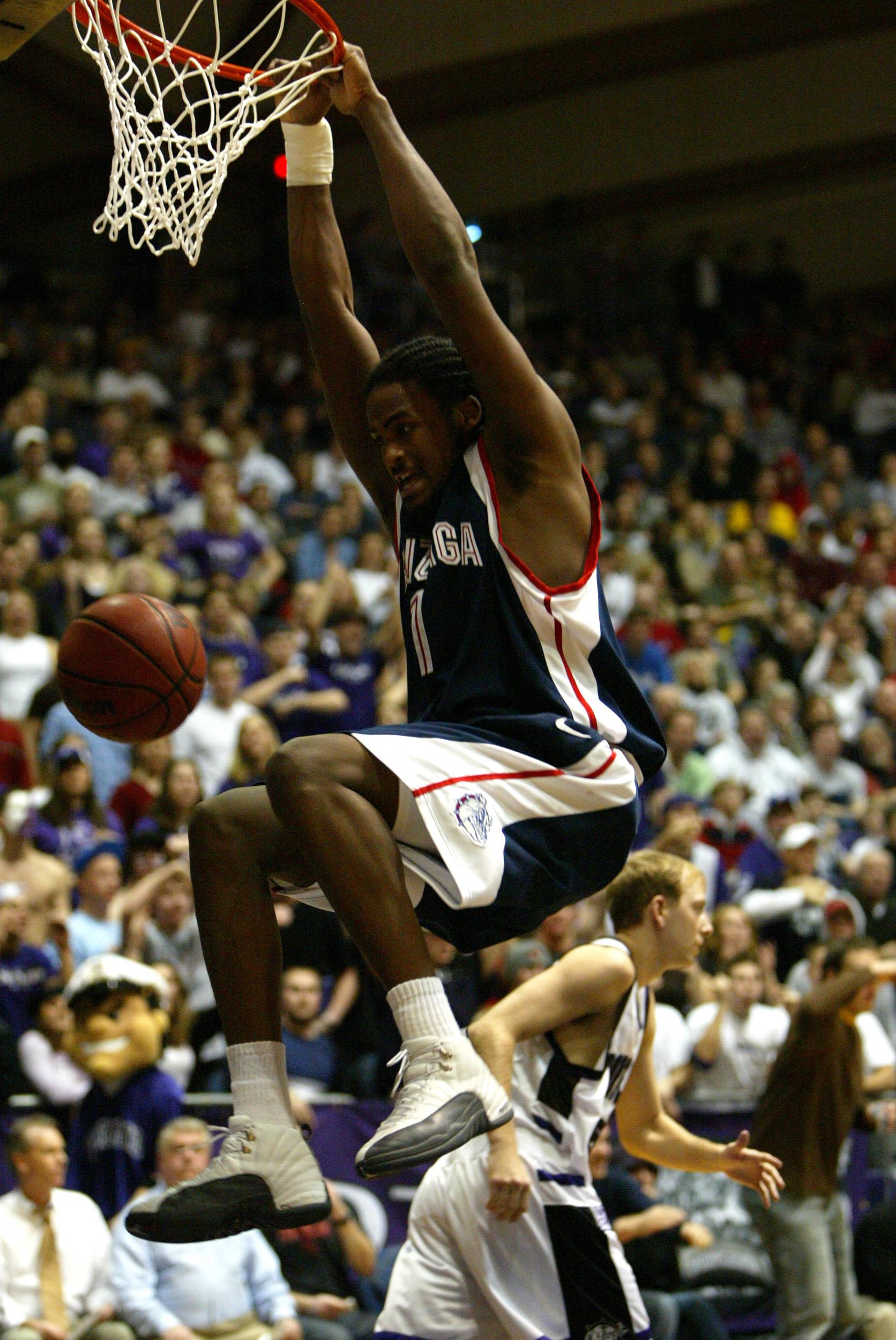 NCAA Men's Basketball - Gonzaga vs Portland January 23, 2004