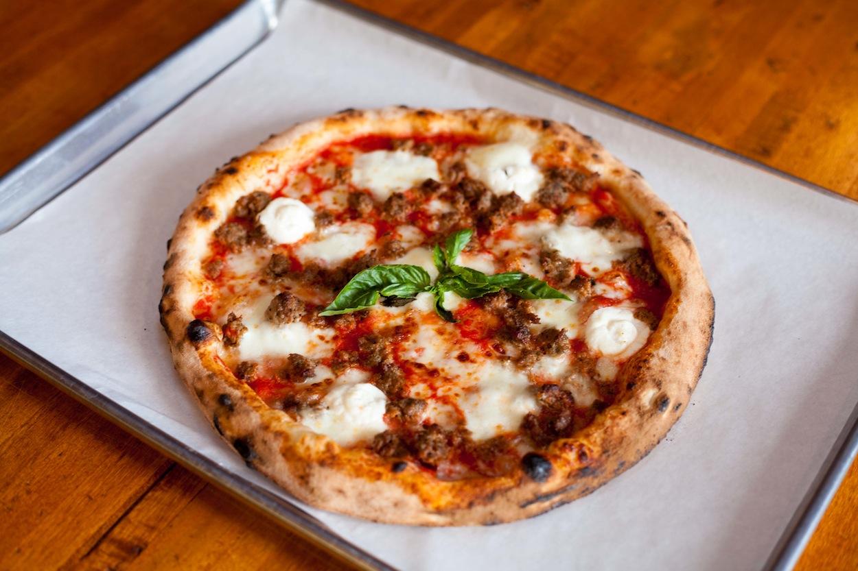 Nashville Favorite Pizzeria DeSano Fires Up Neapolitan Pies in Austin