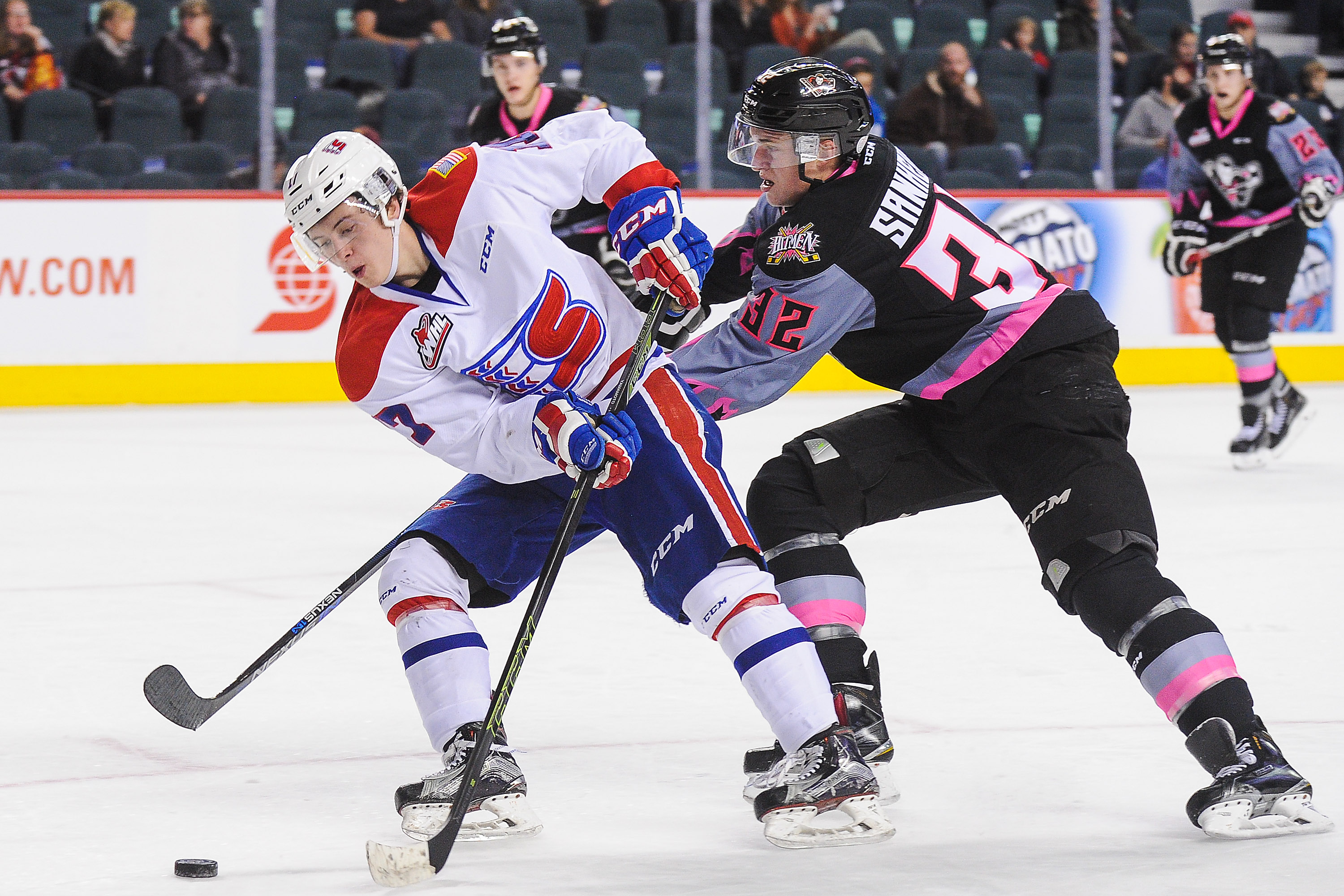 Kailer Yamamoto (left) was named WHL Player of the Week.