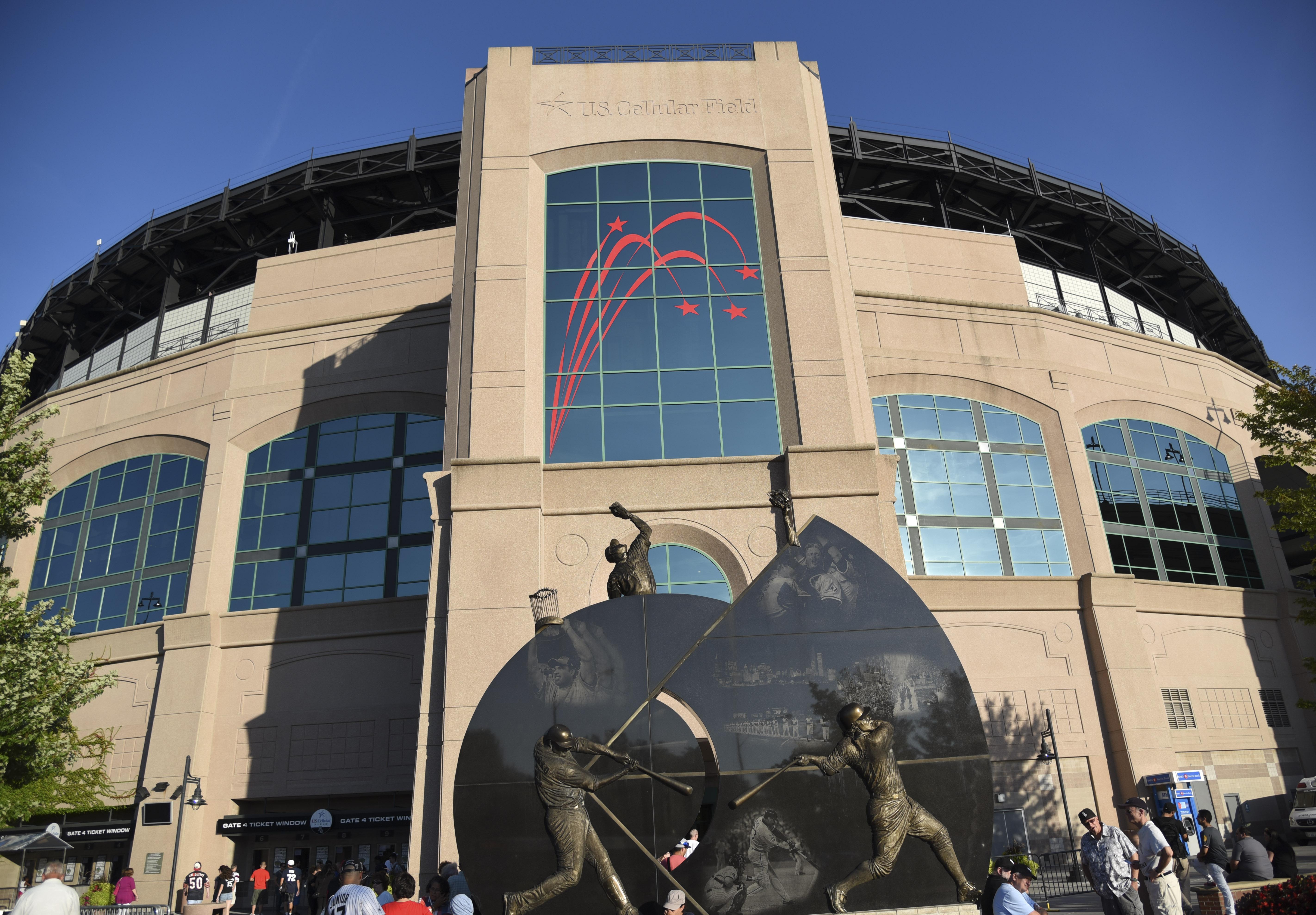 Philadelphia Phillies v Chicago White Sox