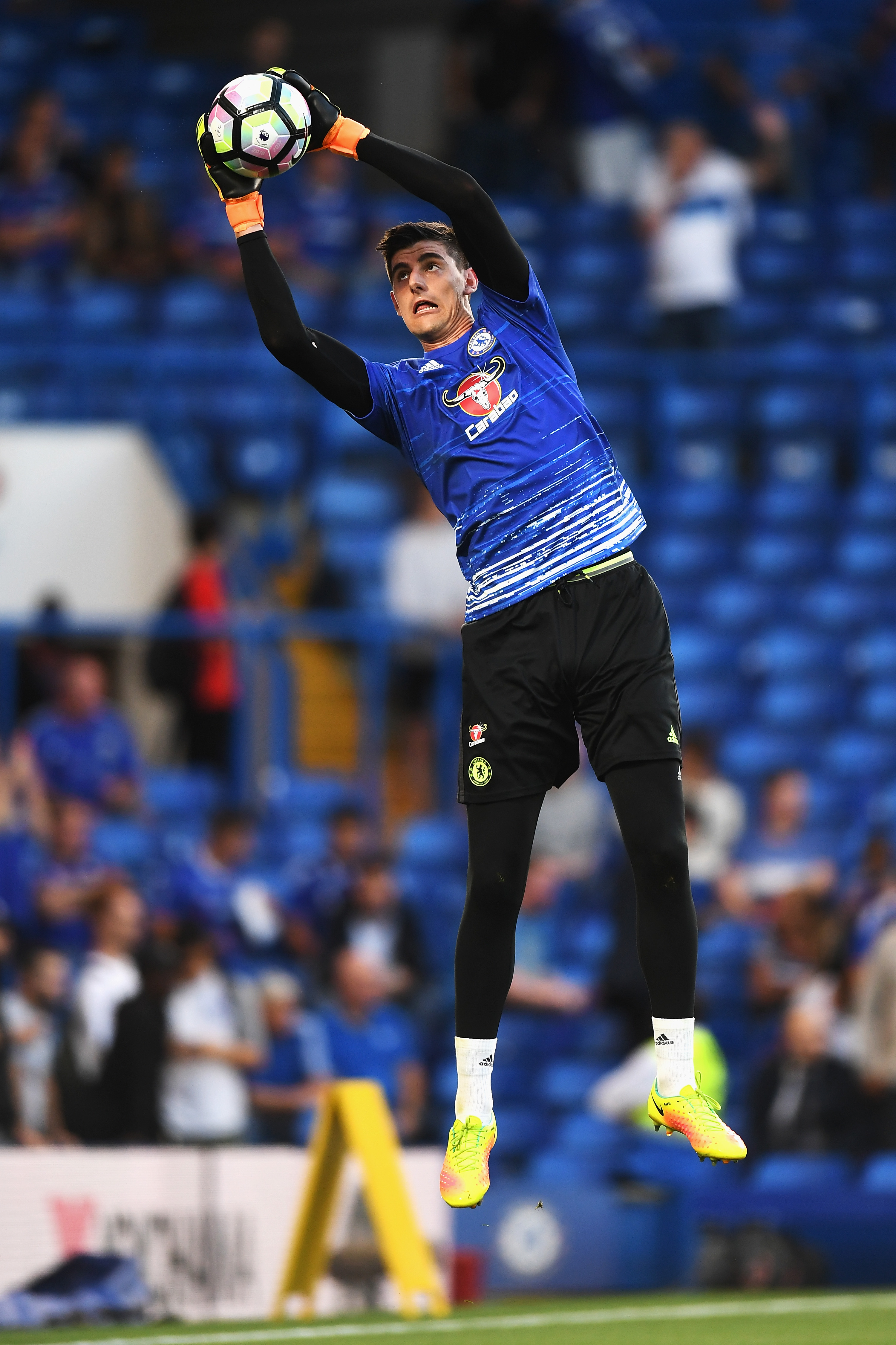 Courtois, Alonso turn attentions to derby day against Spurs