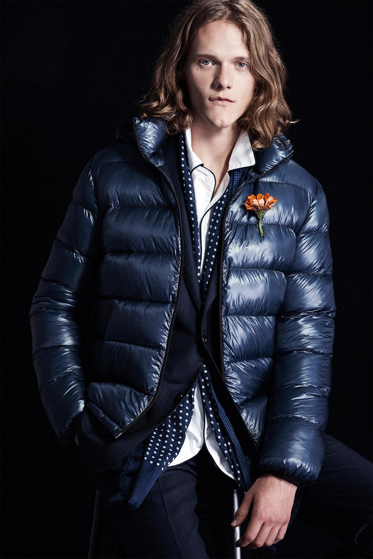 Model wearing puffer jacket