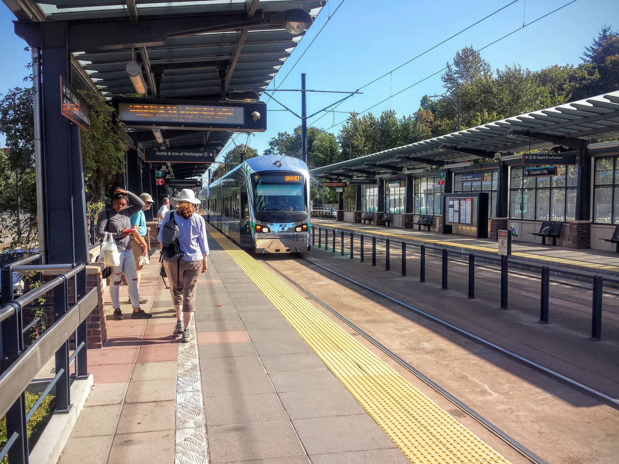 Link light rail ridership up 78 percent in October & Light Rail - Curbed Seattle azcodes.com
