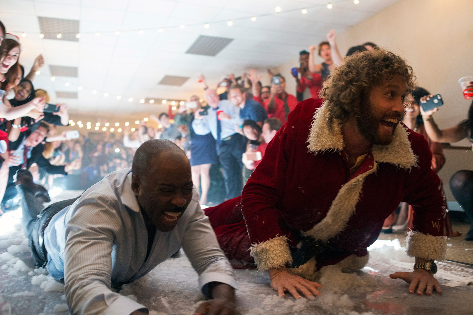 Office Christmas Party\'s talented cast is its best feature, and its ...