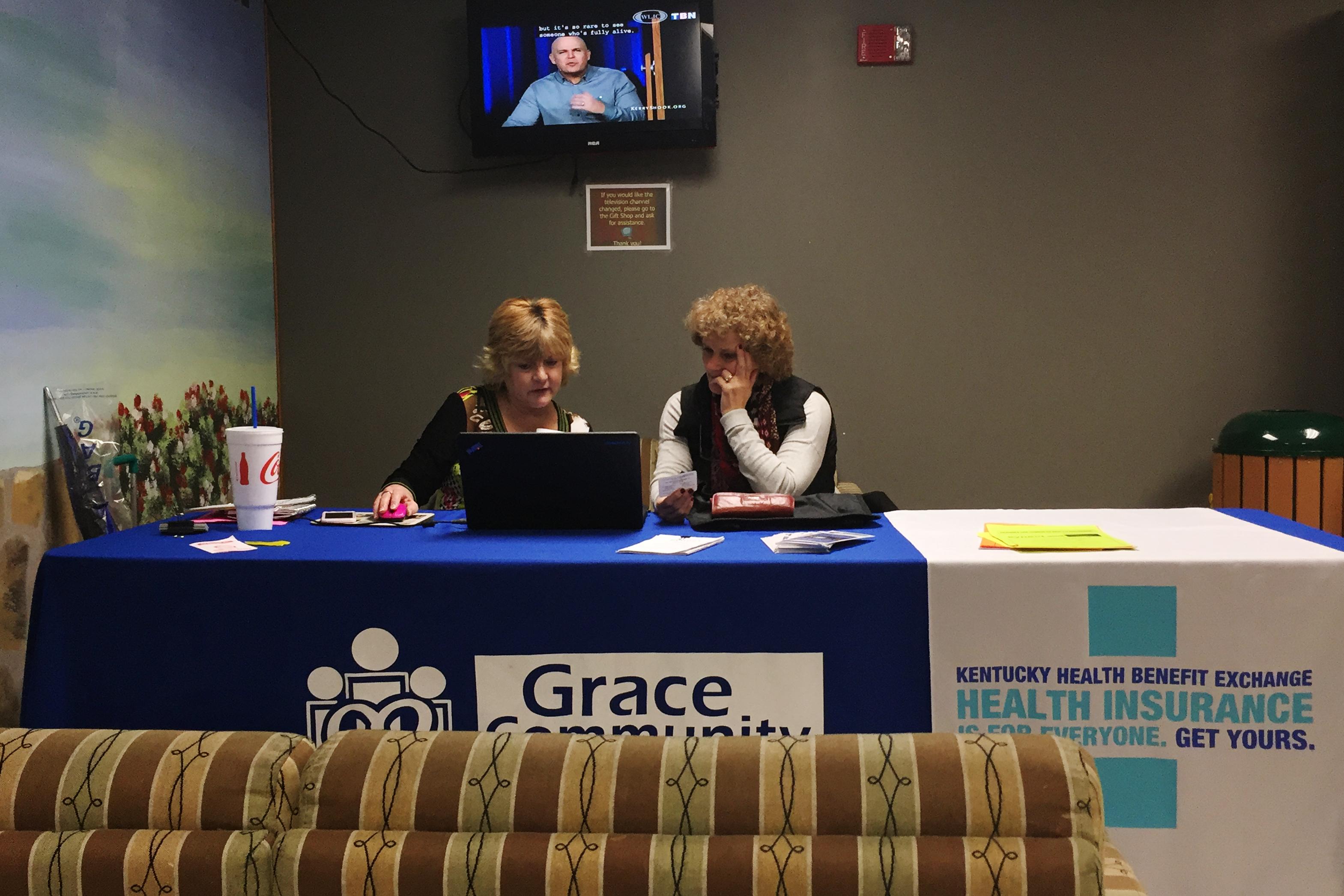 Kathy Oller renewing Debbie Mills' Obamacare coverage.
