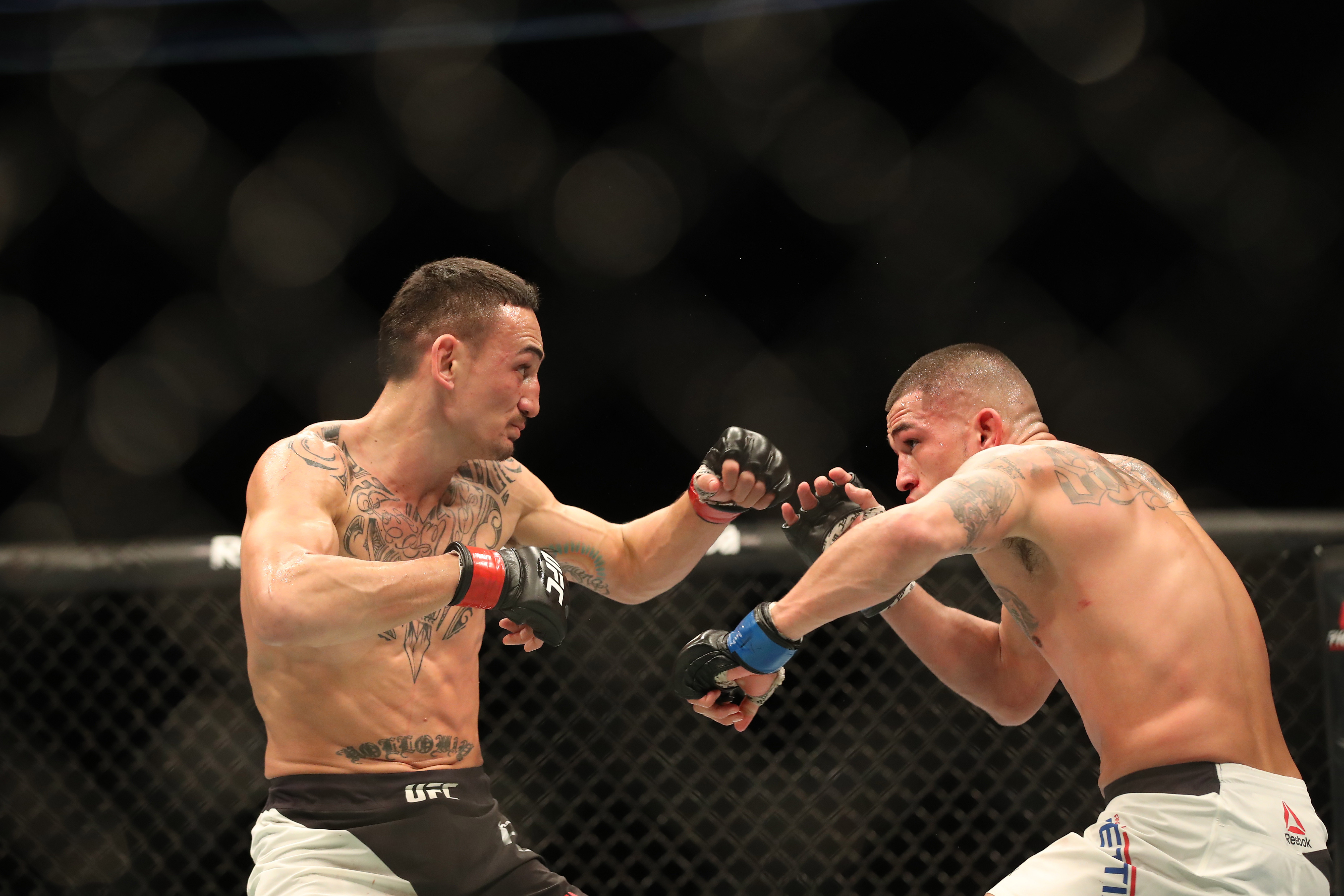 MMA: UFC 206- Holloway vs Pettis